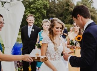 svatební fotograf Lysá nad Labem,  svatební video Lysá na Labem, svatba v zámeckém parku-43
