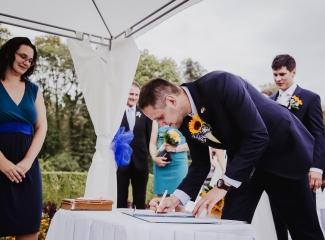 svatební fotograf Lysá nad Labem,  svatební video Lysá na Labem, svatba v zámeckém parku-56