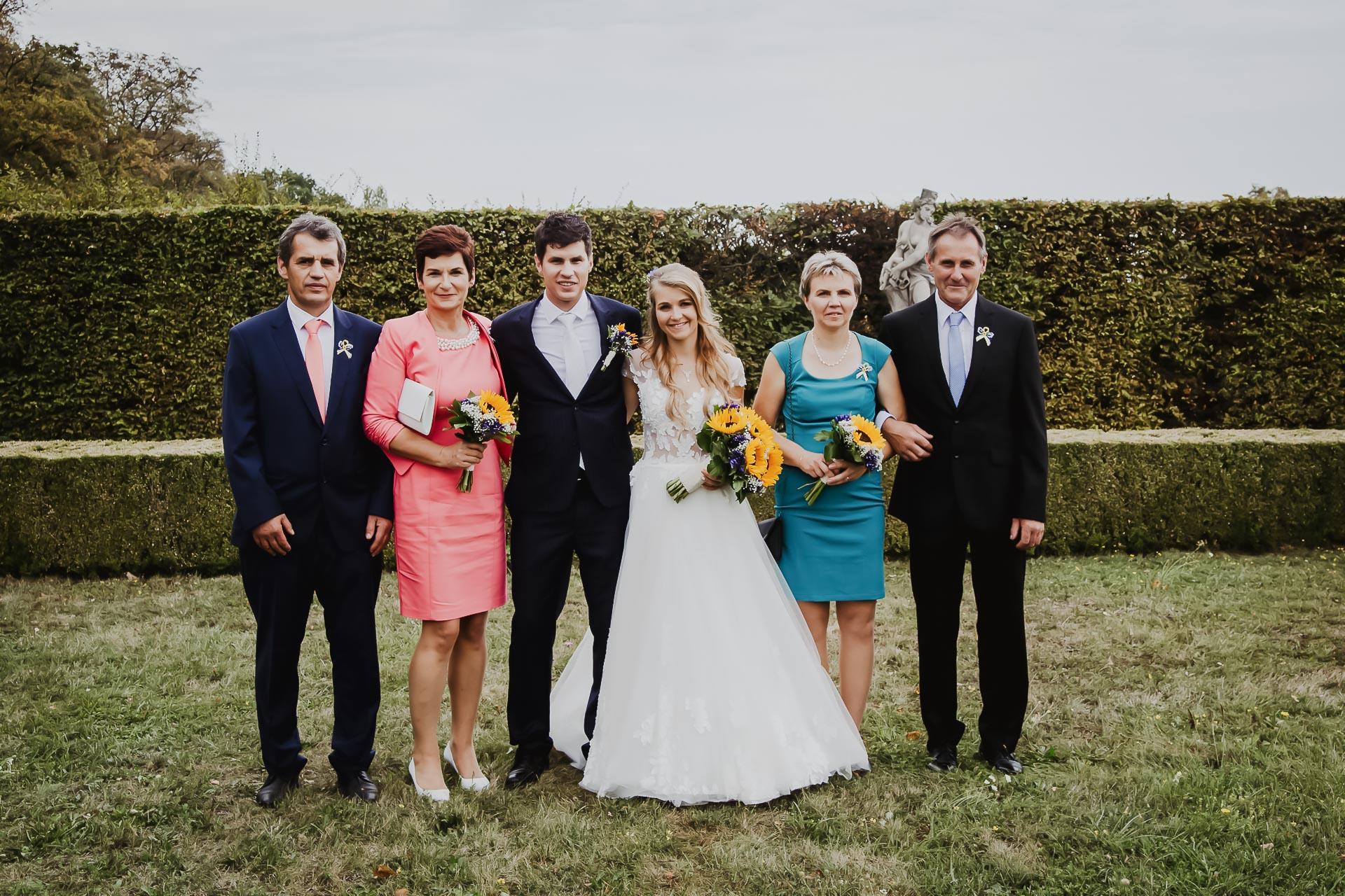 svatební fotograf Lysá nad Labem,  svatební video Lysá na Labem, svatba v zámeckém parku-131
