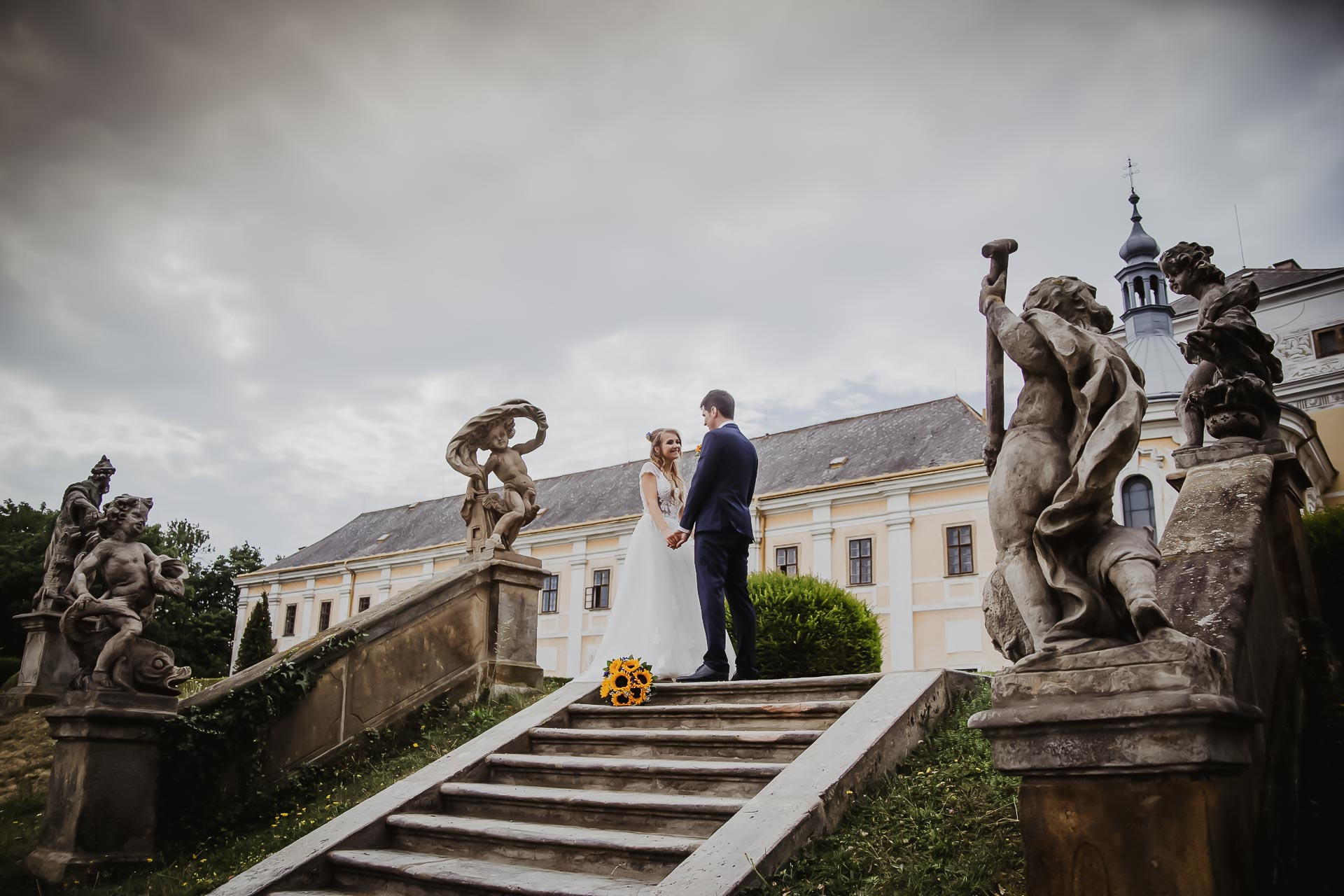 svatební fotograf Lysá nad Labem,  svatební video Lysá na Labem, svatba v zámeckém parku-178