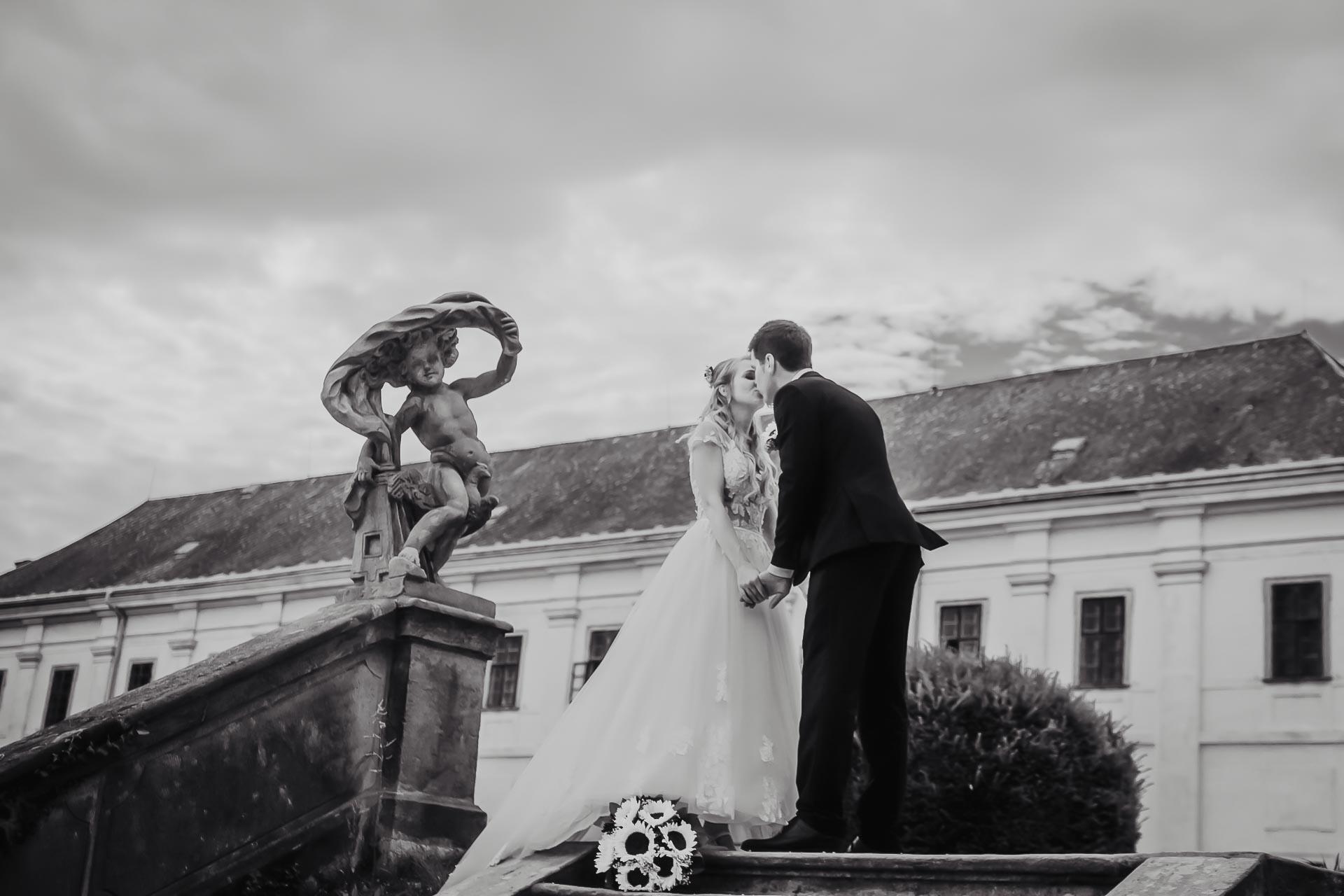 svatební fotograf Lysá nad Labem,  svatební video Lysá na Labem, svatba v zámeckém parku-179