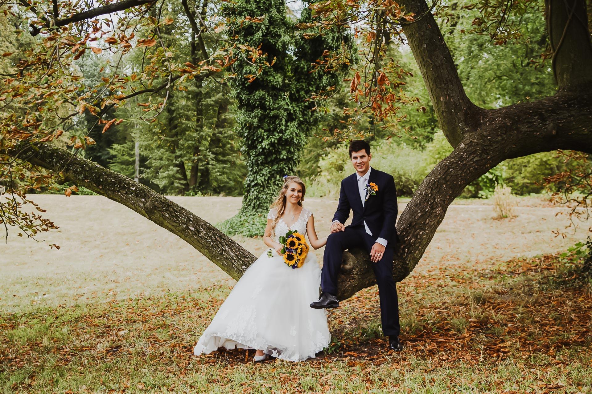 svatební fotograf Lysá nad Labem,  svatební video Lysá na Labem, svatba v zámeckém parku-182