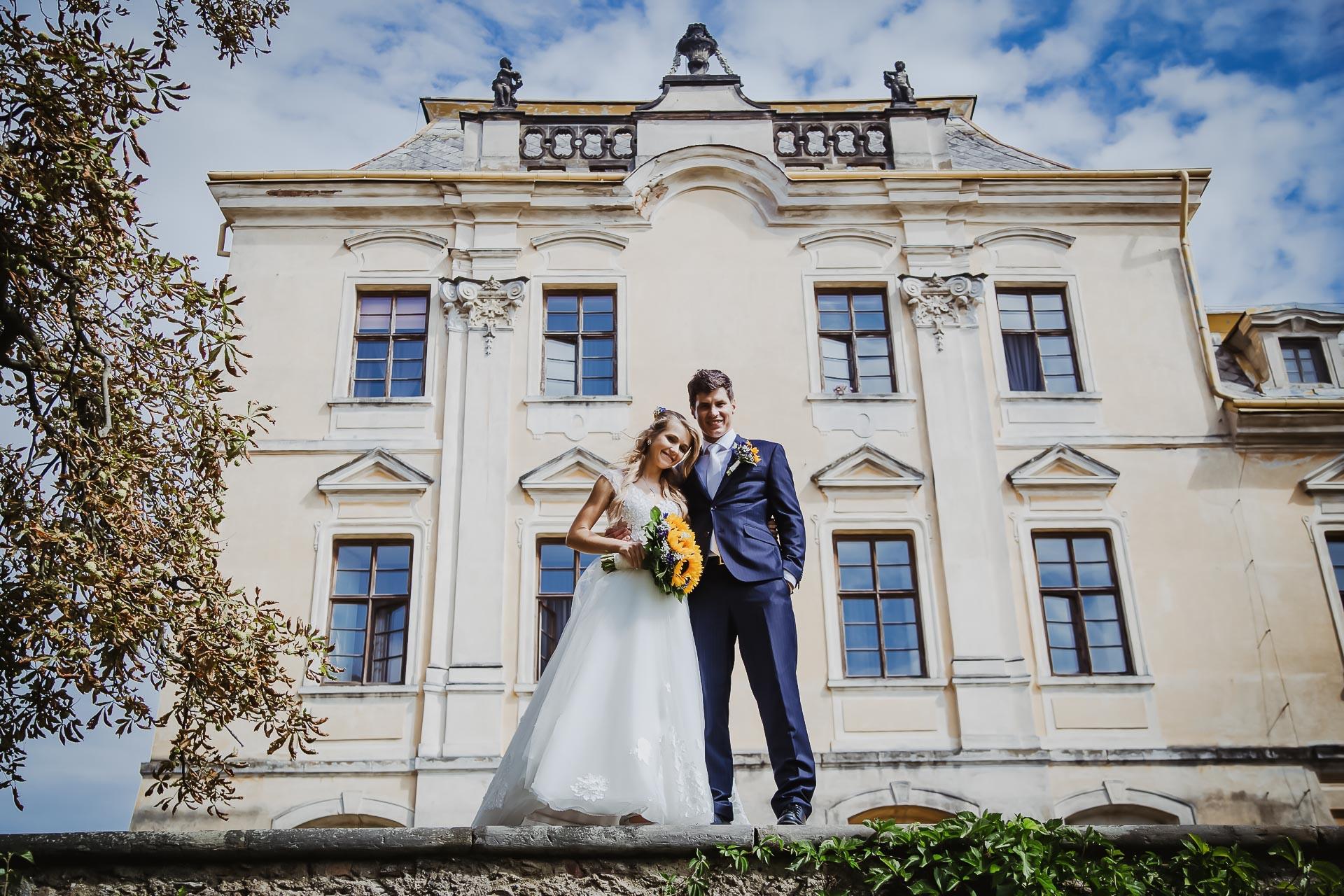 svatební fotograf Lysá nad Labem,  svatební video Lysá na Labem, svatba v zámeckém parku-197
