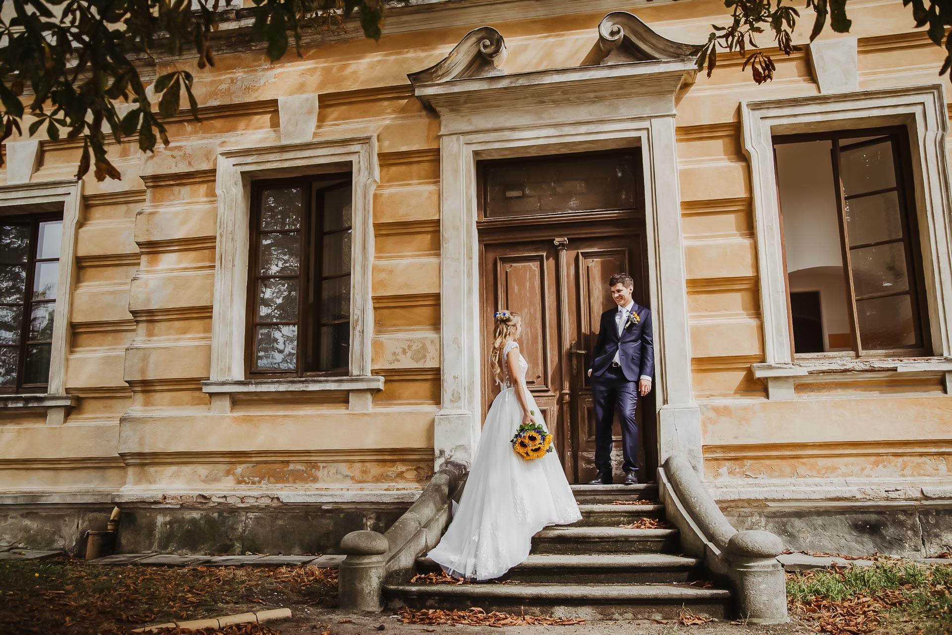 svatební fotograf Lysá nad Labem,  svatební video Lysá na Labem, svatba v zámeckém parku-211