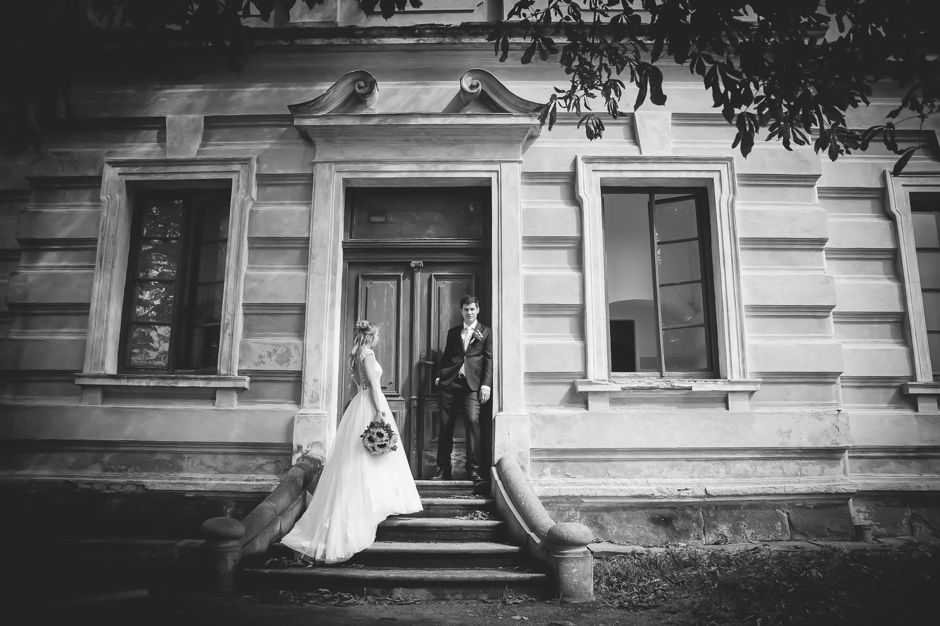 svatební fotograf Lysá nad Labem,  svatební video Lysá na Labem, svatba v zámeckém parku-212