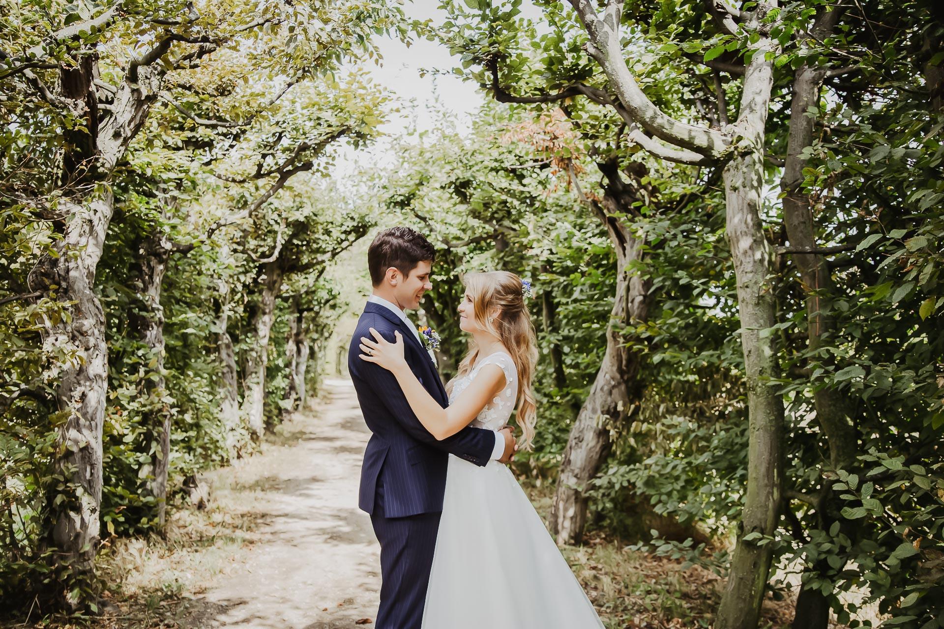 svatební fotograf Lysá nad Labem,  svatební video Lysá na Labem, svatba v zámeckém parku-220