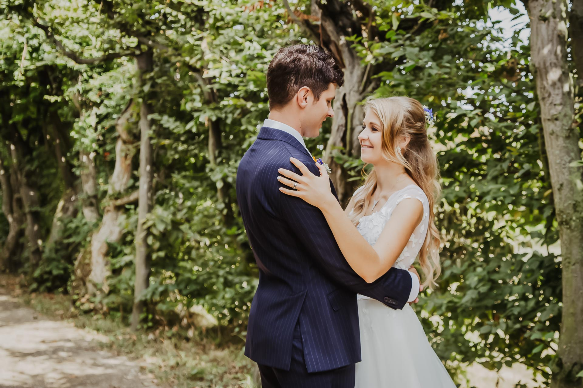 svatební fotograf Lysá nad Labem,  svatební video Lysá na Labem, svatba v zámeckém parku-222
