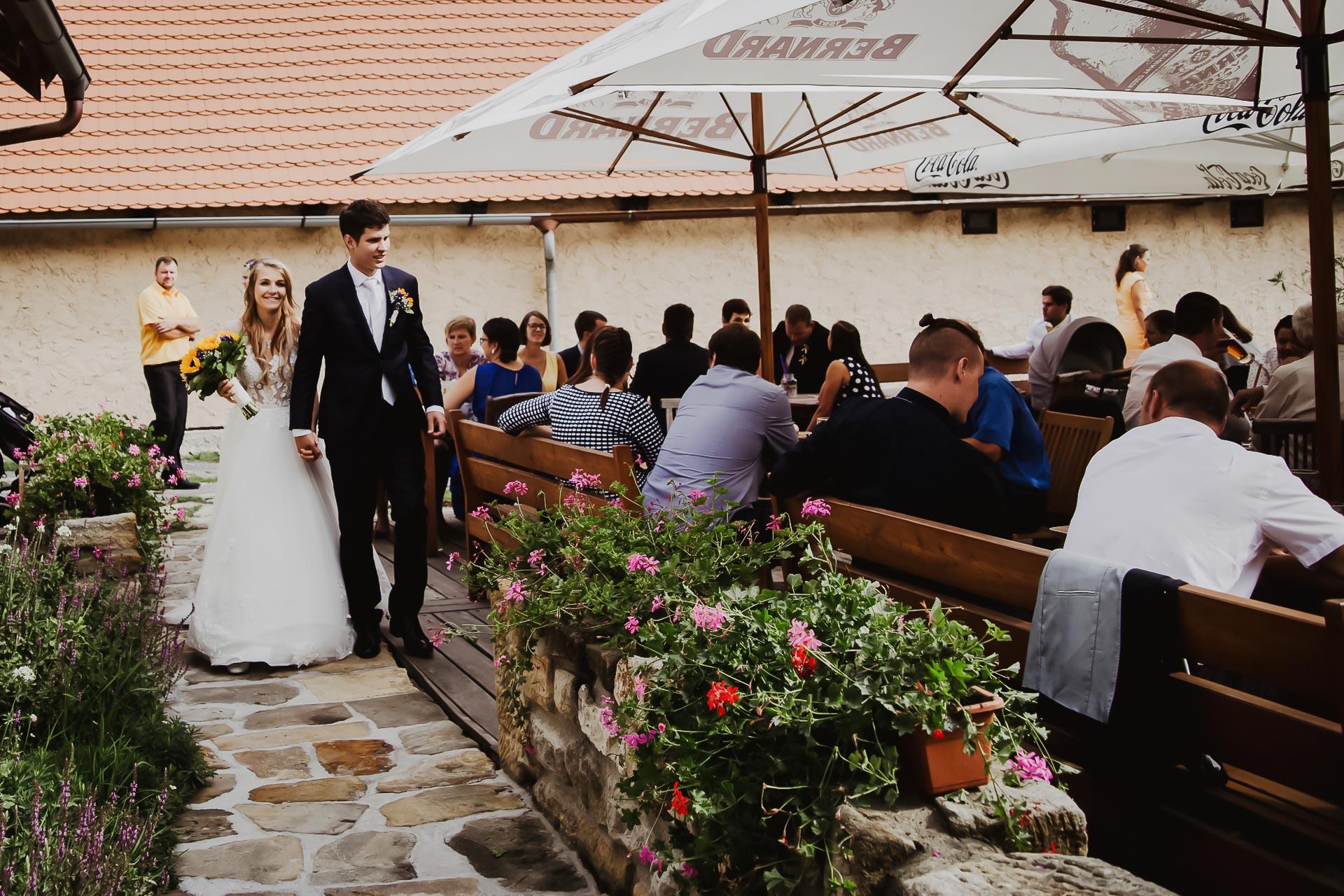 svatební fotograf Lysá nad Labem,  svatební video Lysá na Labem, svatba v zámeckém parku-232