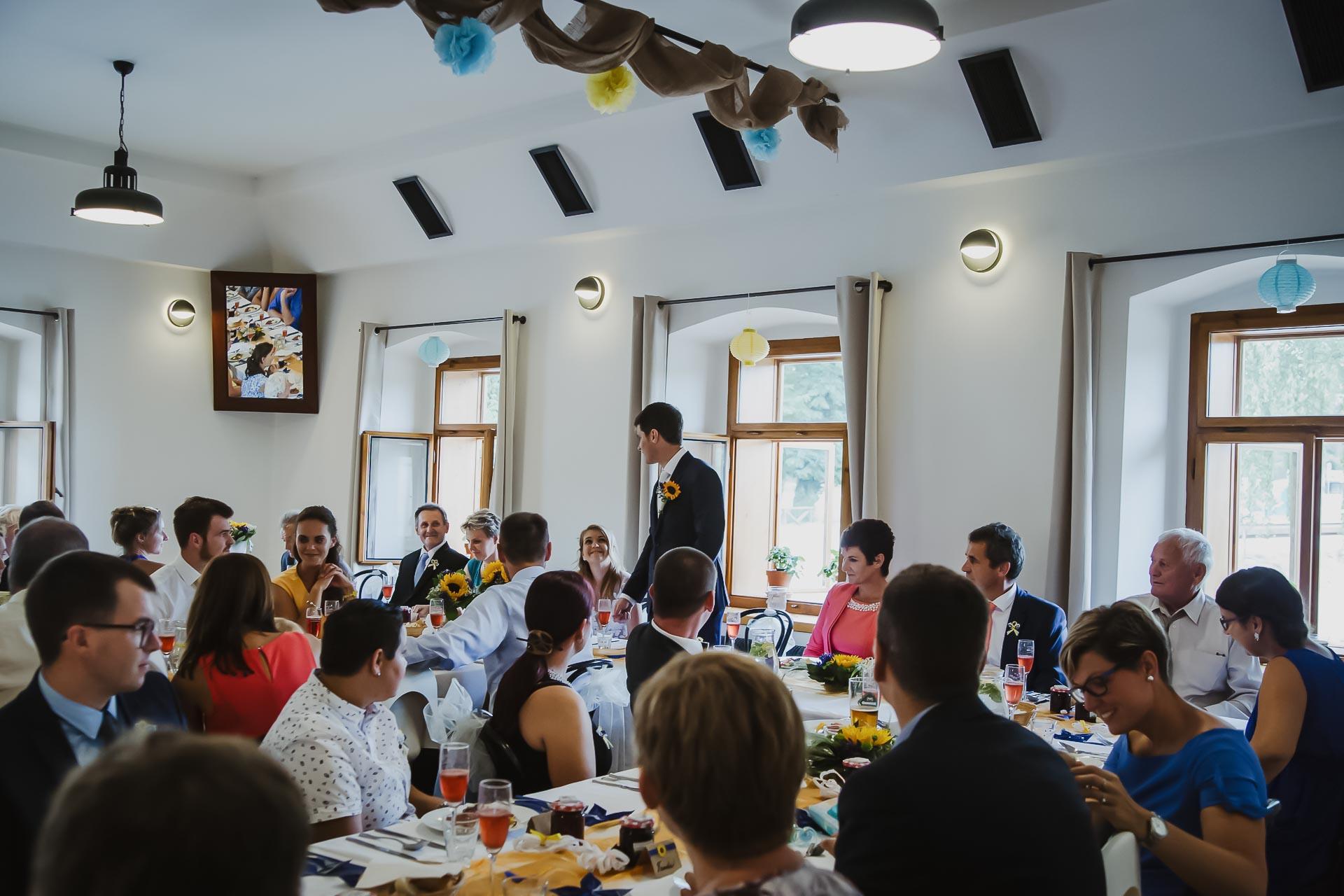 svatební fotograf Lysá nad Labem,  svatební video Lysá na Labem, svatba v zámeckém parku-246