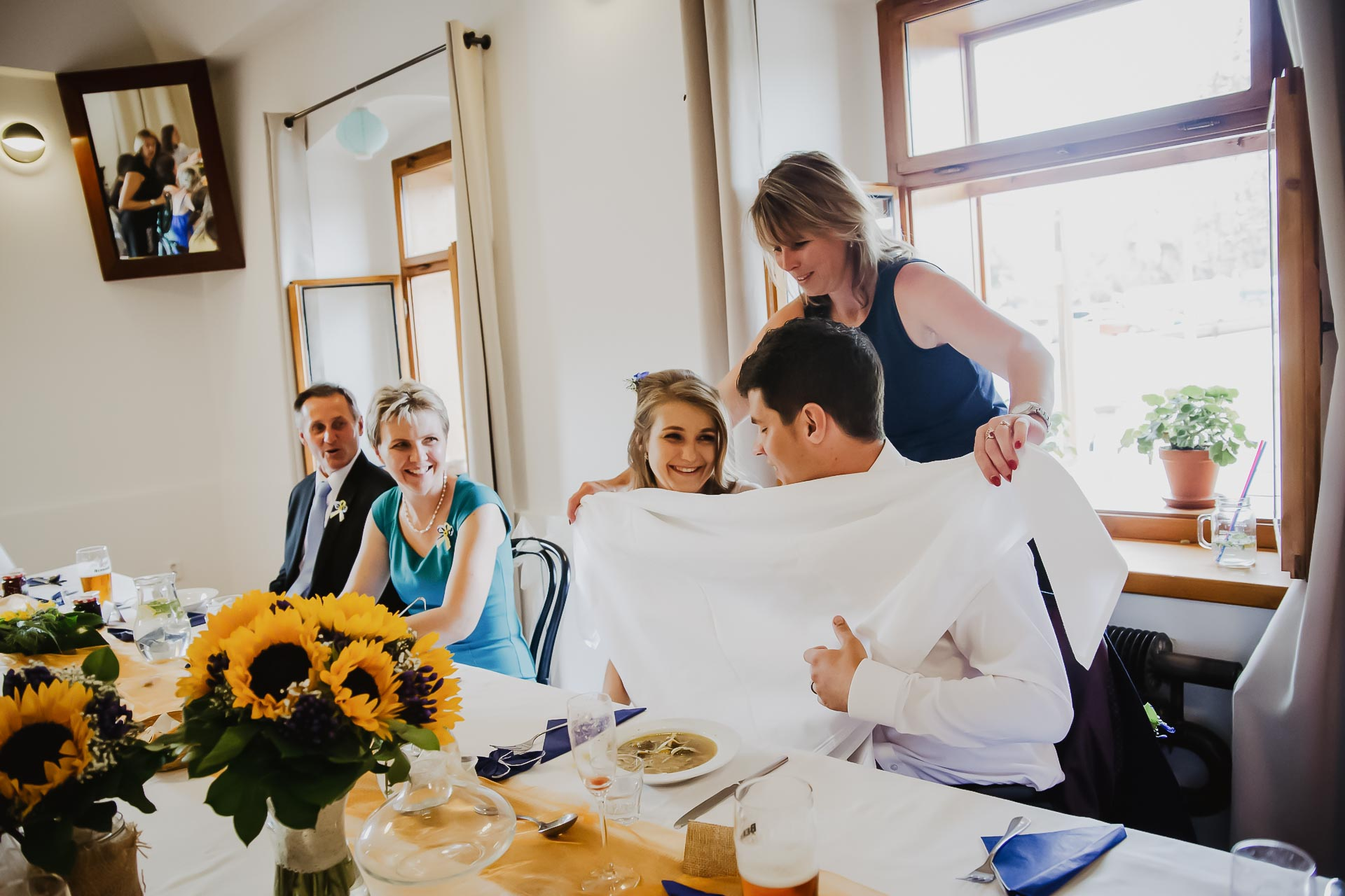 svatební fotograf Lysá nad Labem,  svatební video Lysá na Labem, svatba v zámeckém parku-252