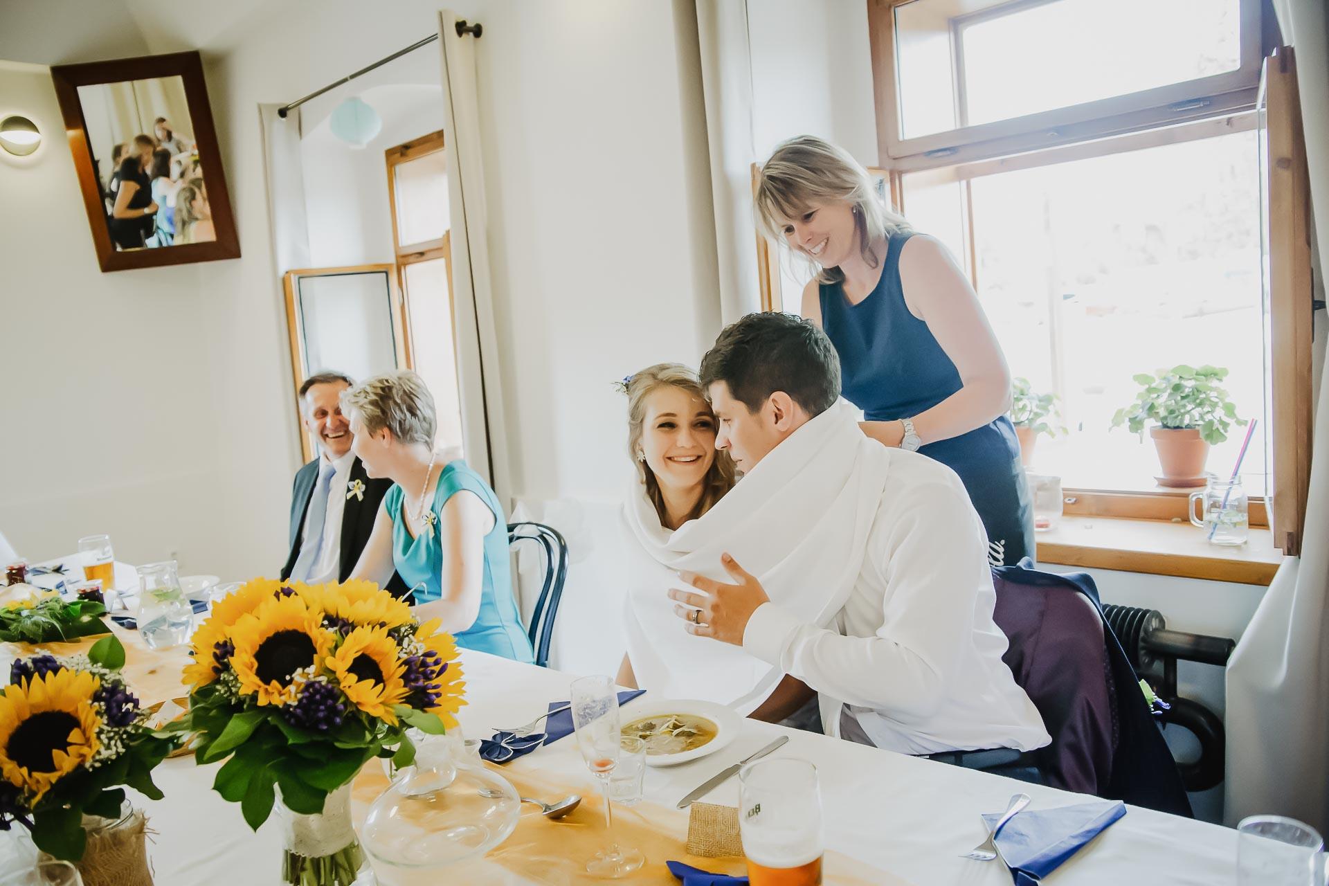 svatební fotograf Lysá nad Labem,  svatební video Lysá na Labem, svatba v zámeckém parku-254