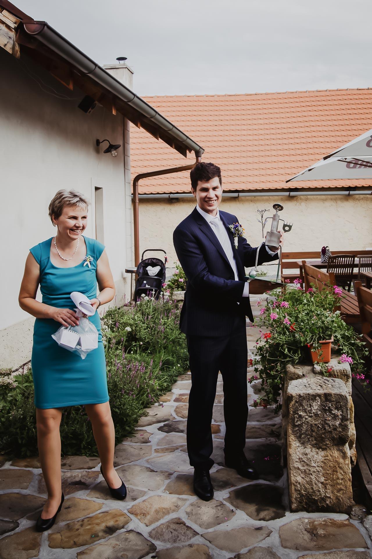 svatební fotograf Lysá nad Labem,  svatební video Lysá na Labem, svatba v zámeckém parku-264