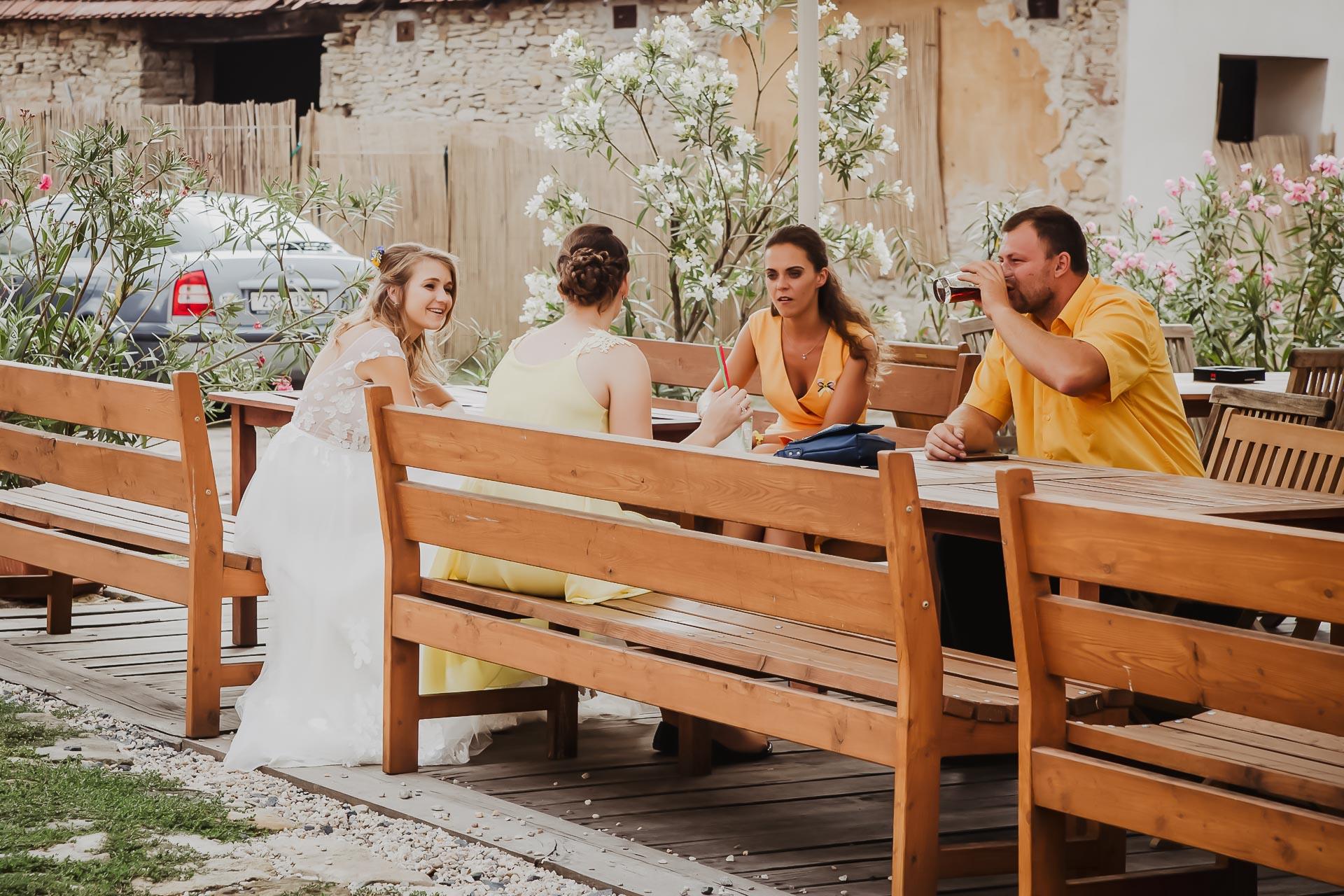 svatební fotograf Lysá nad Labem,  svatební video Lysá na Labem, svatba v zámeckém parku-267
