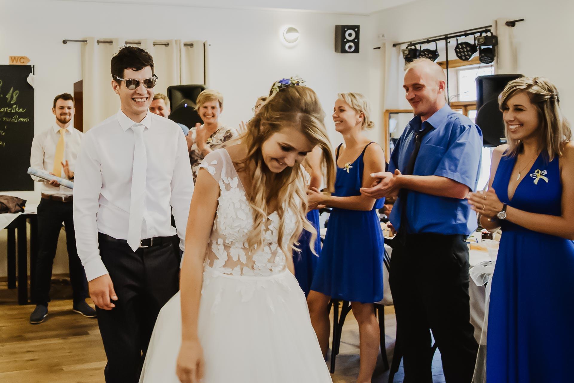 svatební fotograf Lysá nad Labem,  svatební video Lysá na Labem, svatba v zámeckém parku-290