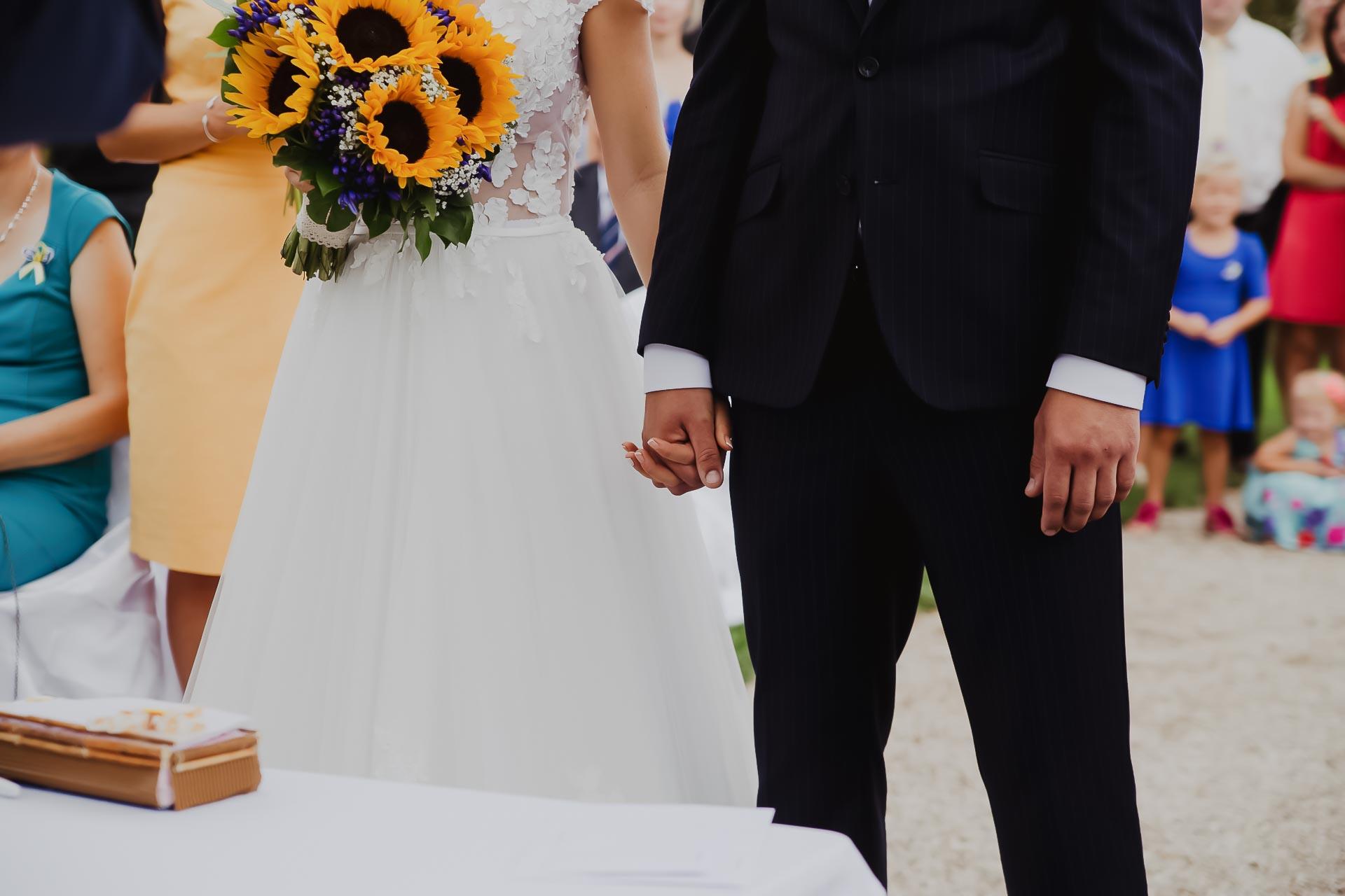 svatební fotograf Lysá nad Labem,  svatební video Lysá na Labem, svatba v zámeckém parku-34