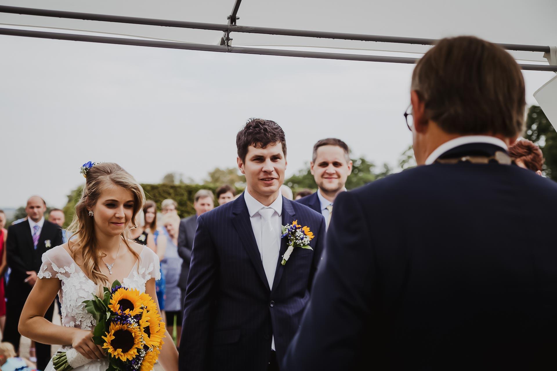 svatební fotograf Lysá nad Labem,  svatební video Lysá na Labem, svatba v zámeckém parku-39