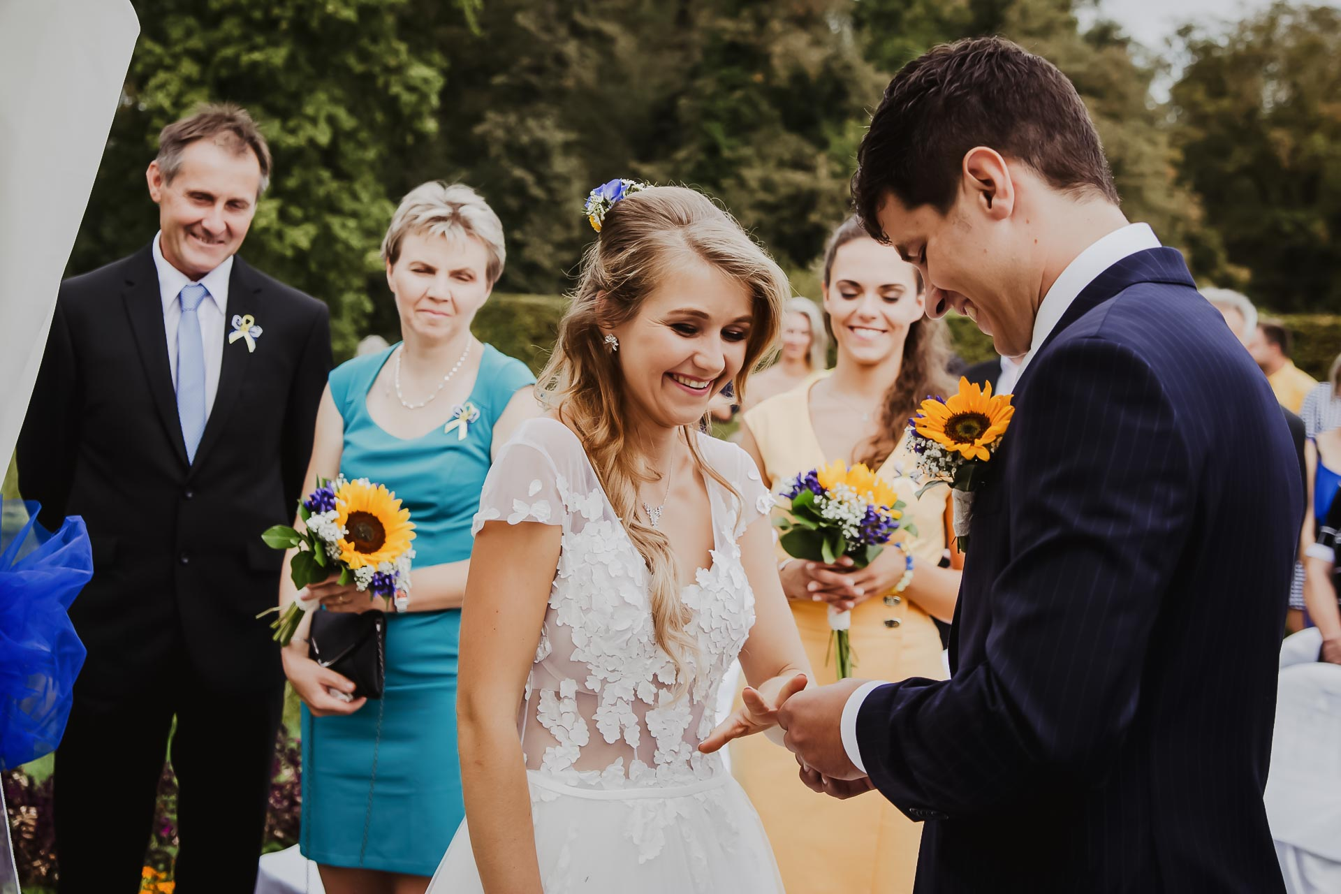 svatební fotograf Lysá nad Labem,  svatební video Lysá na Labem, svatba v zámeckém parku-44