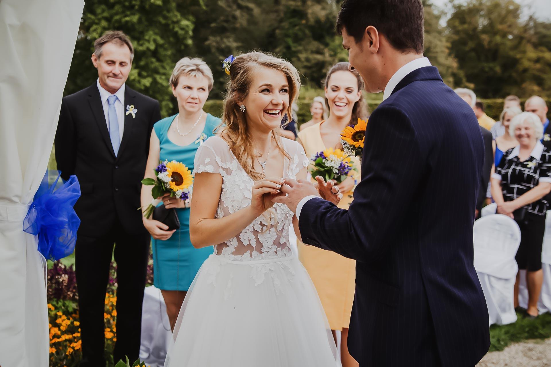 svatební fotograf Lysá nad Labem,  svatební video Lysá na Labem, svatba v zámeckém parku-48
