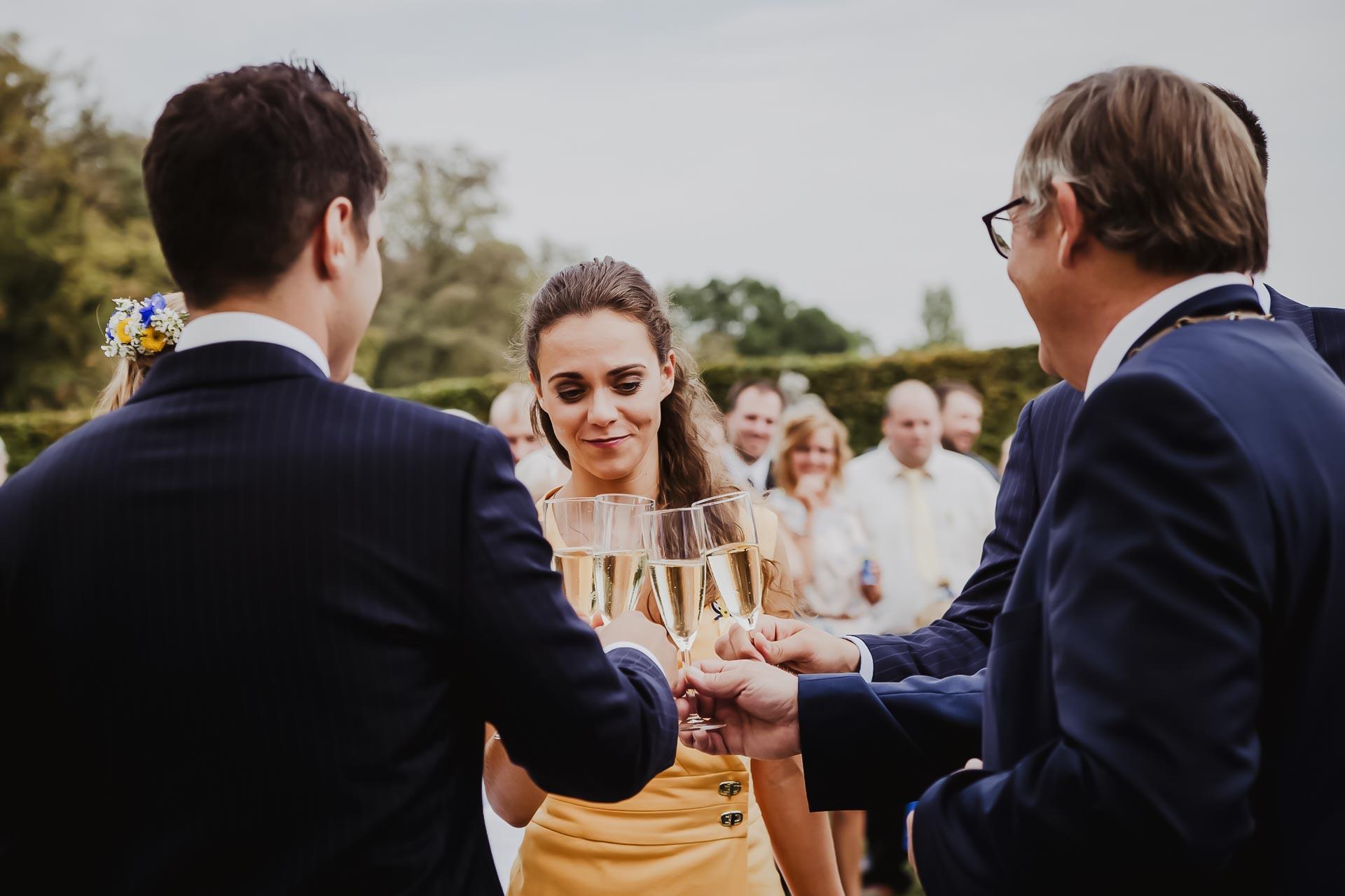 svatební fotograf Lysá nad Labem,  svatební video Lysá na Labem, svatba v zámeckém parku-58