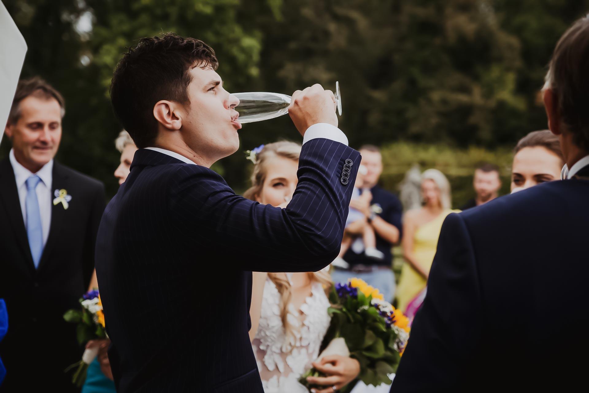 svatební fotograf Lysá nad Labem,  svatební video Lysá na Labem, svatba v zámeckém parku-59