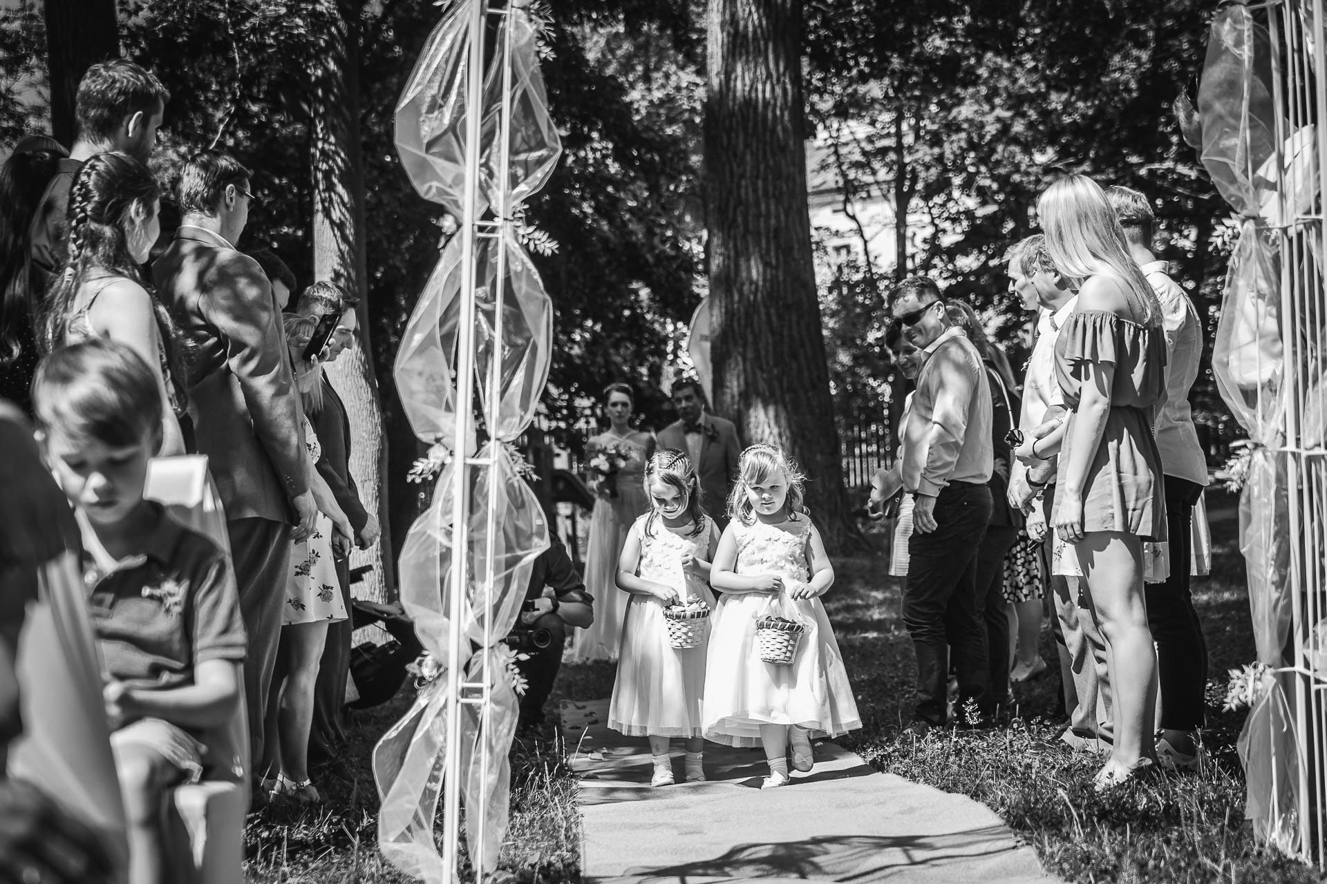 Svatební-fotograf-Praha-Dolní-Počernicerestaurace-Běchovický-dvůr-1927