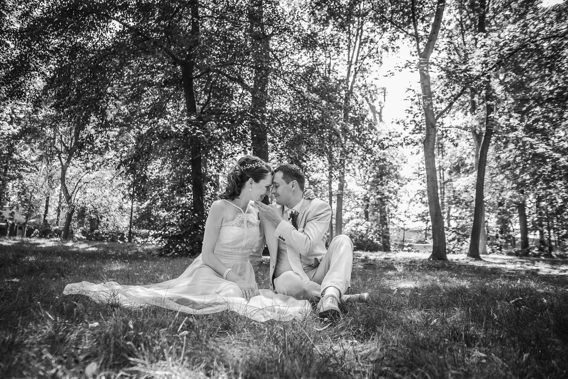 Svatební-fotograf-Praha-Dolní-Počernicerestaurace-Běchovický-dvůr-2726