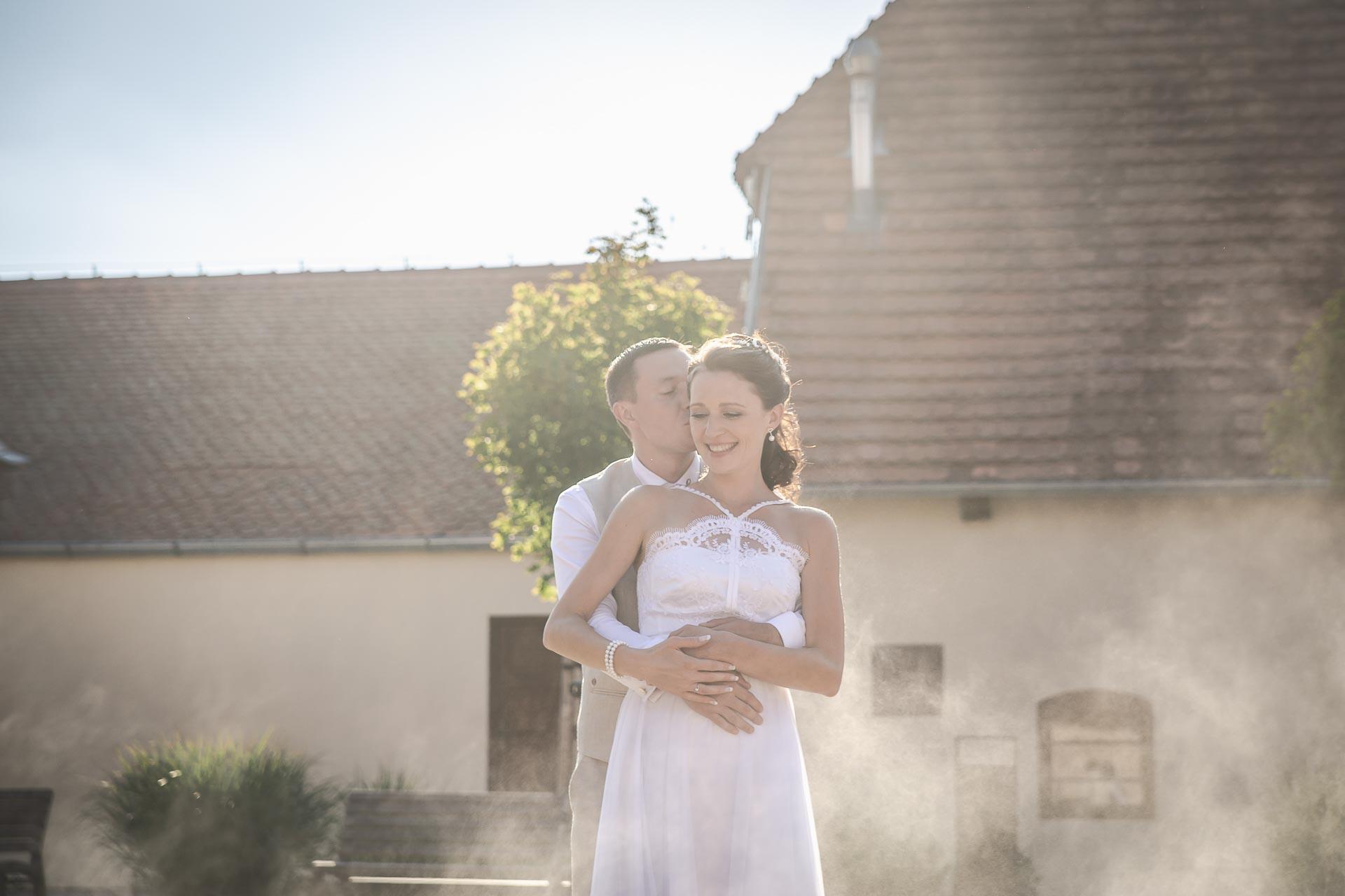 Svatební-fotograf-Praha-Dolní-Počernicerestaurace-Běchovický-dvůr-3043