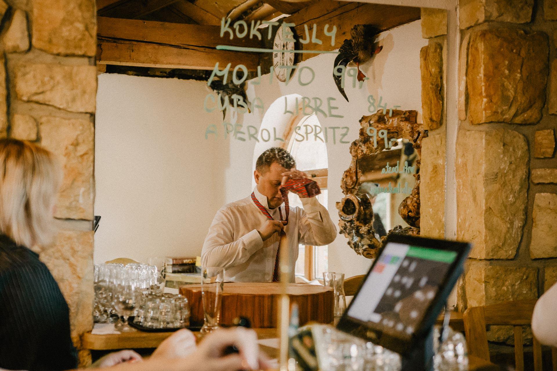 svatební-fotograf-resort-Svět-Užice-svatební-foto-Praha-fotograf-na-svatbu-0988