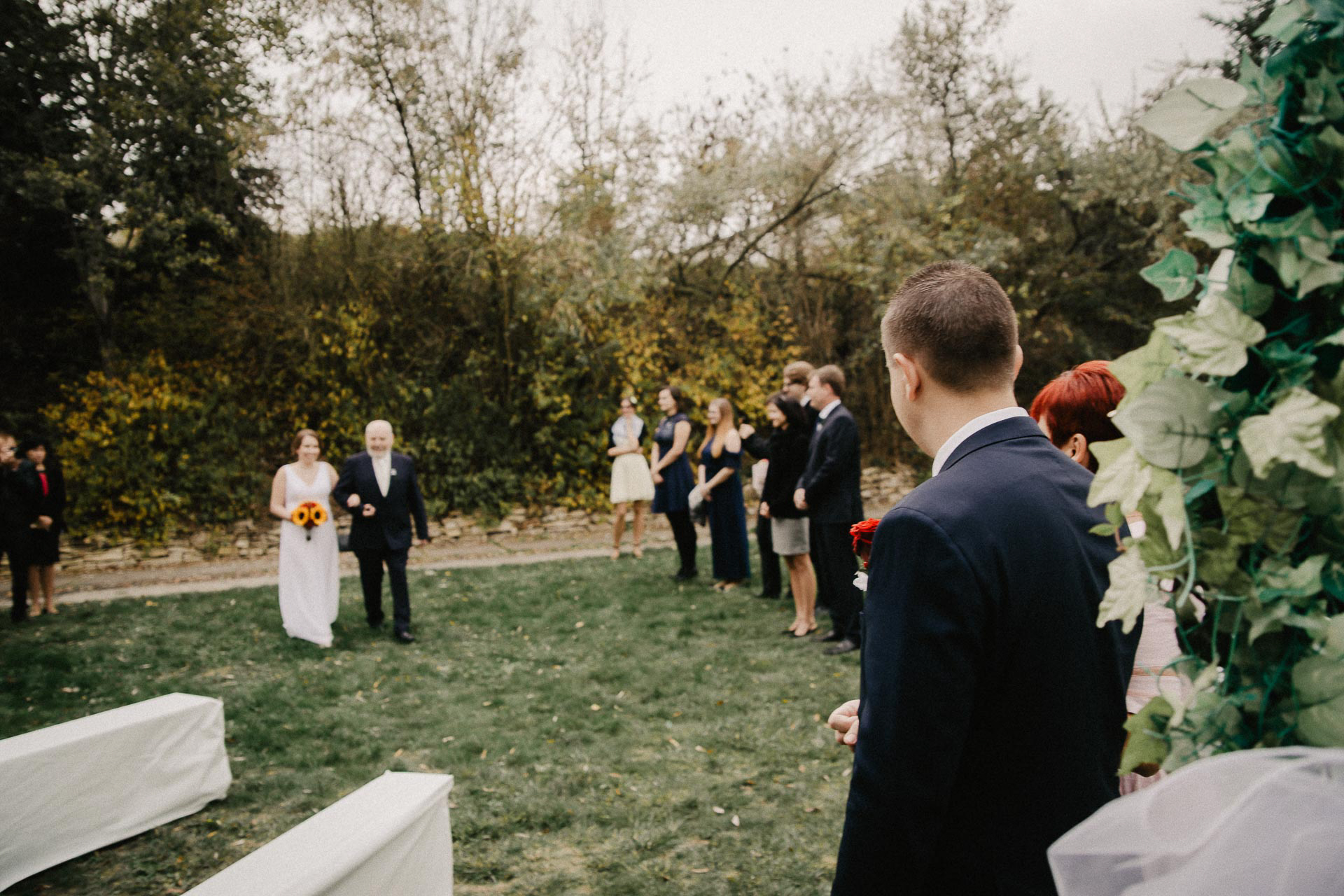 svatební-fotograf-resort-Svět-Užice-svatební-foto-Praha-fotograf-na-svatbu-1071