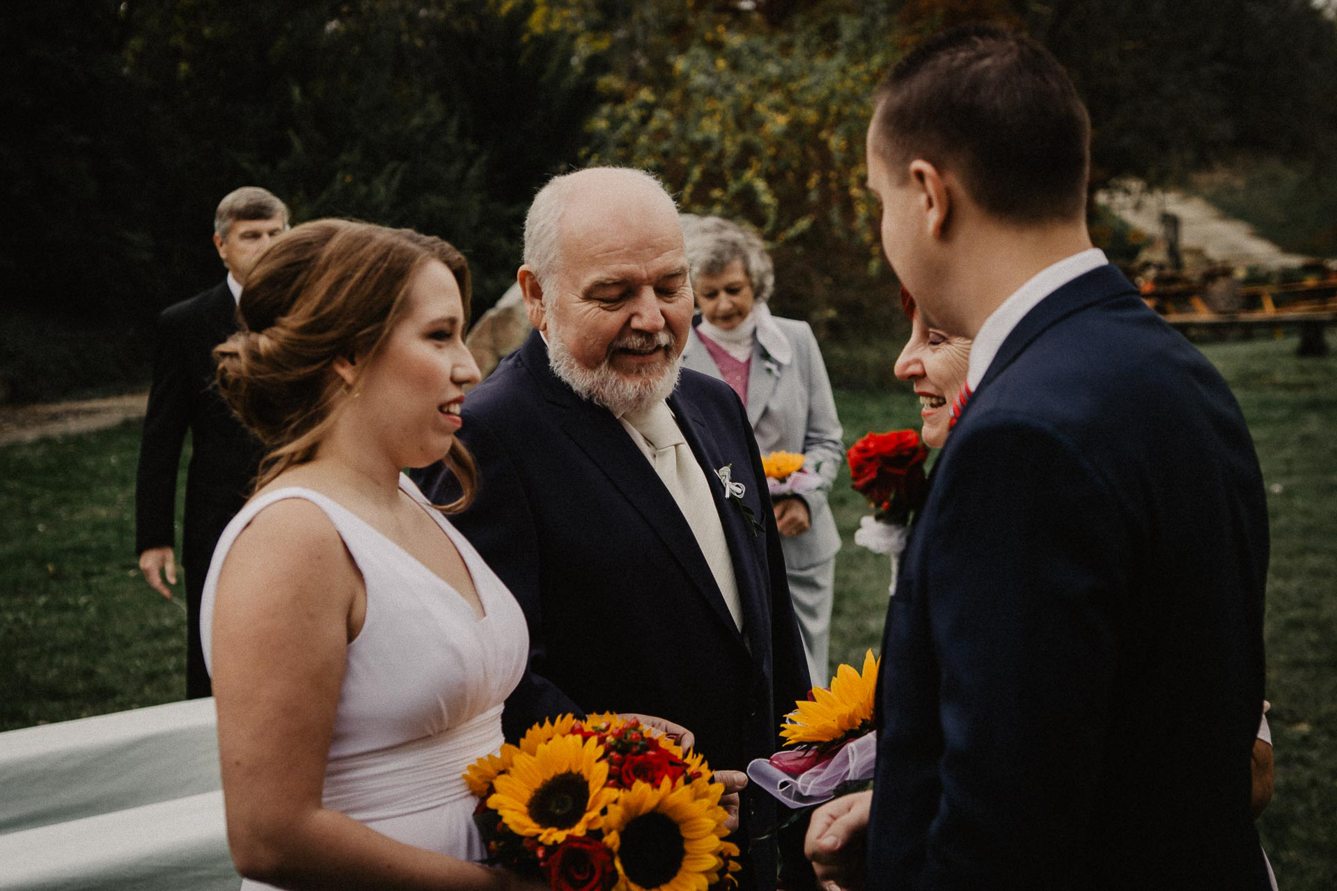 svatební-fotograf-resort-Svět-Užice-svatební-foto-Praha-fotograf-na-svatbu-1084