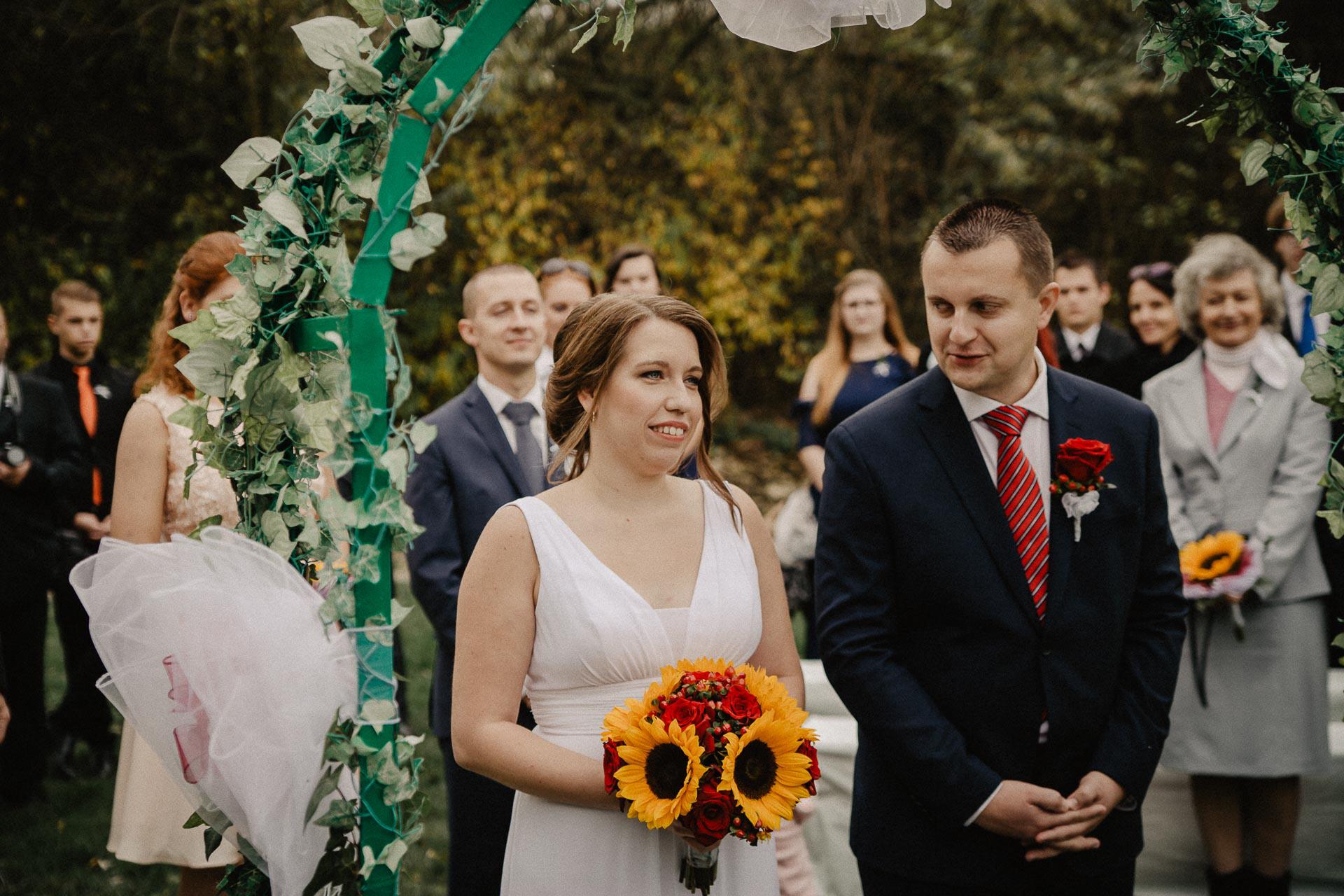 svatební-fotograf-resort-Svět-Užice-svatební-foto-Praha-fotograf-na-svatbu-1138