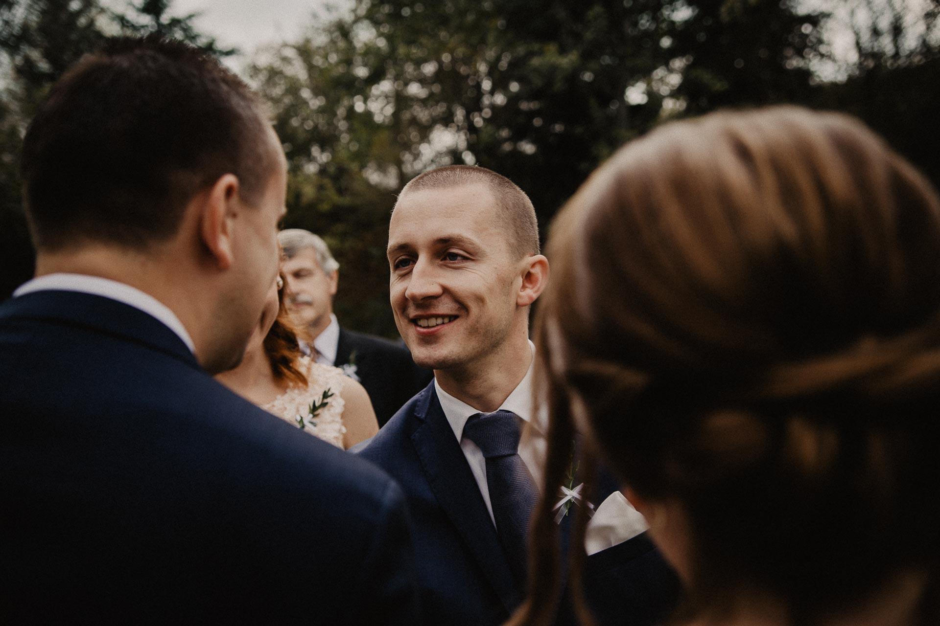 svatební-fotograf-resort-Svět-Užice-svatební-foto-Praha-fotograf-na-svatbu-1202