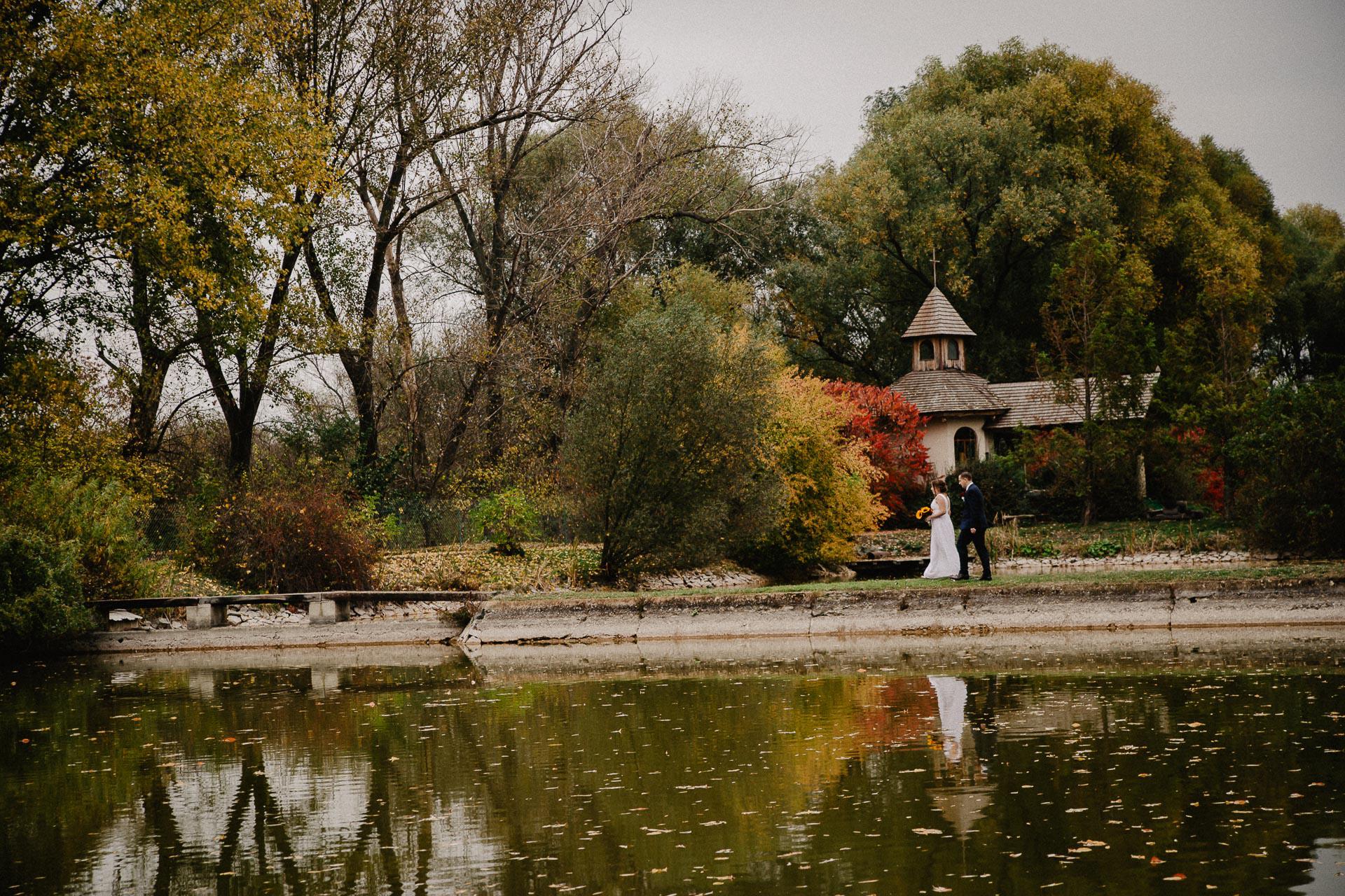svatební-fotograf-resort-Svět-Užice-svatební-foto-Praha-fotograf-na-svatbu-1992