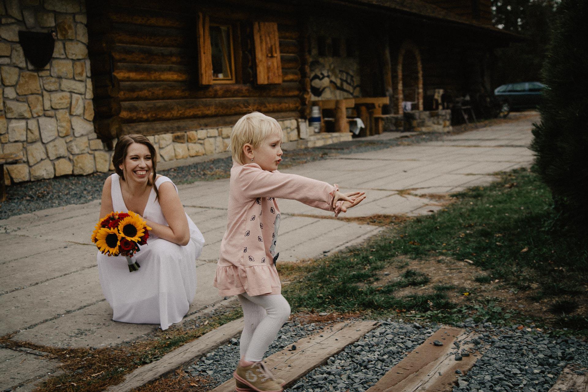 svatební-fotograf-resort-Svět-Užice-svatební-foto-Praha-fotograf-na-svatbu-2152