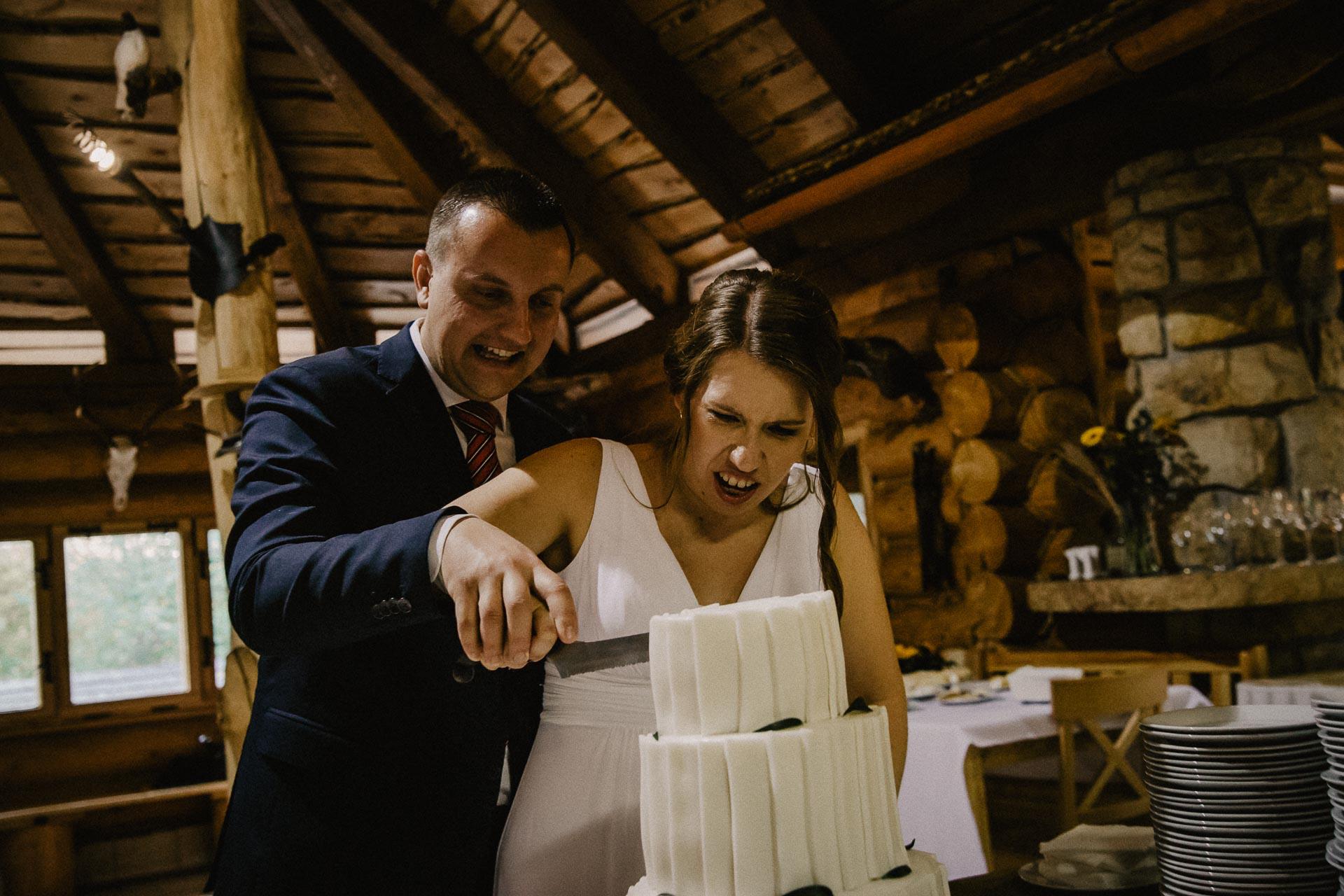 svatební-fotograf-resort-Svět-Užice-svatební-foto-Praha-fotograf-na-svatbu-2201