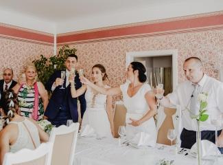 svatební fotograf hotel Ostrov Nymburk, svatební video-209