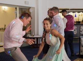 svatební fotograf hotel Ostrov Nymburk, svatební video-406