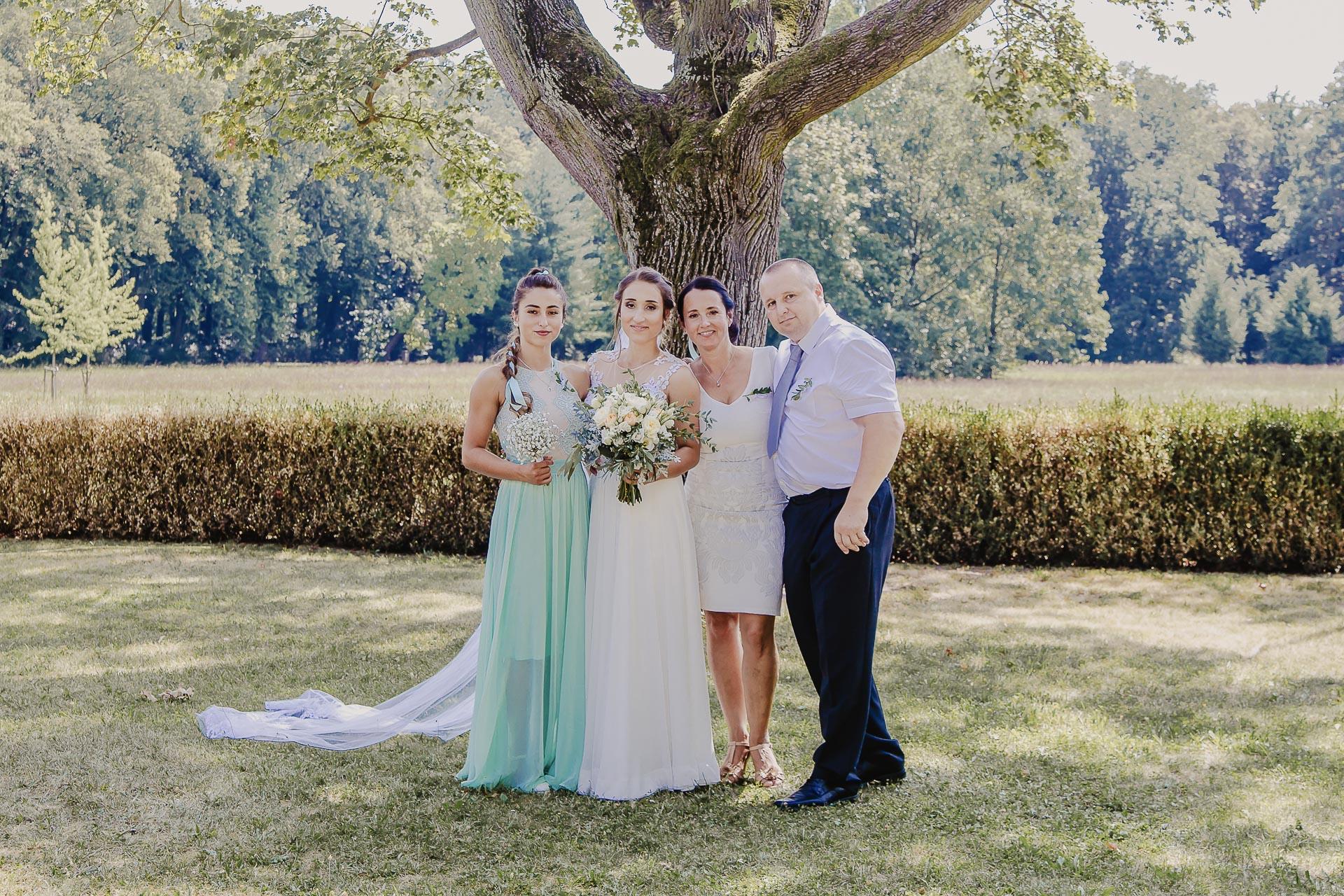 svatební fotograf hotel Ostrov Nymburk, svatební video-147