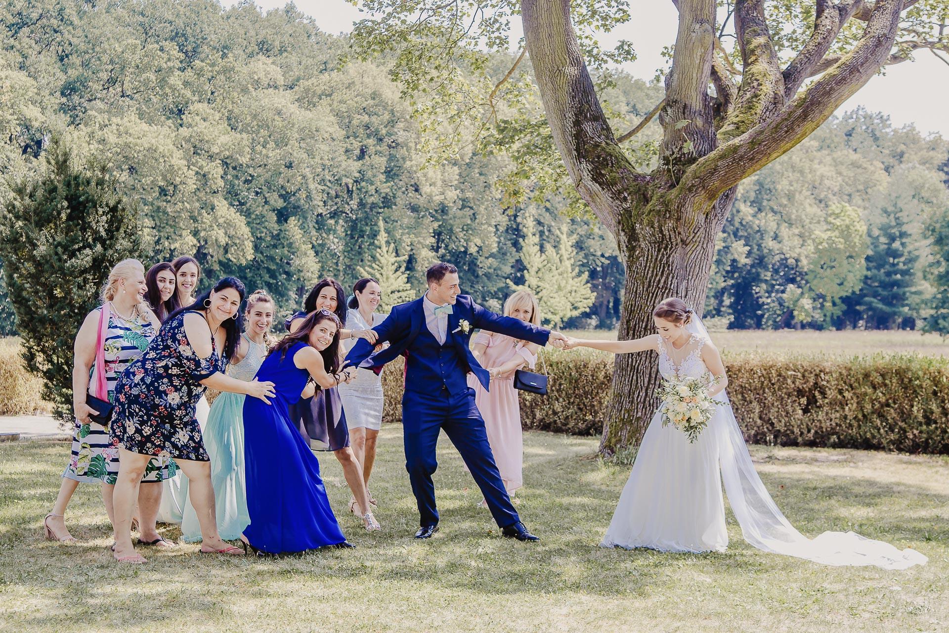 svatební fotograf hotel Ostrov Nymburk, svatební video-175