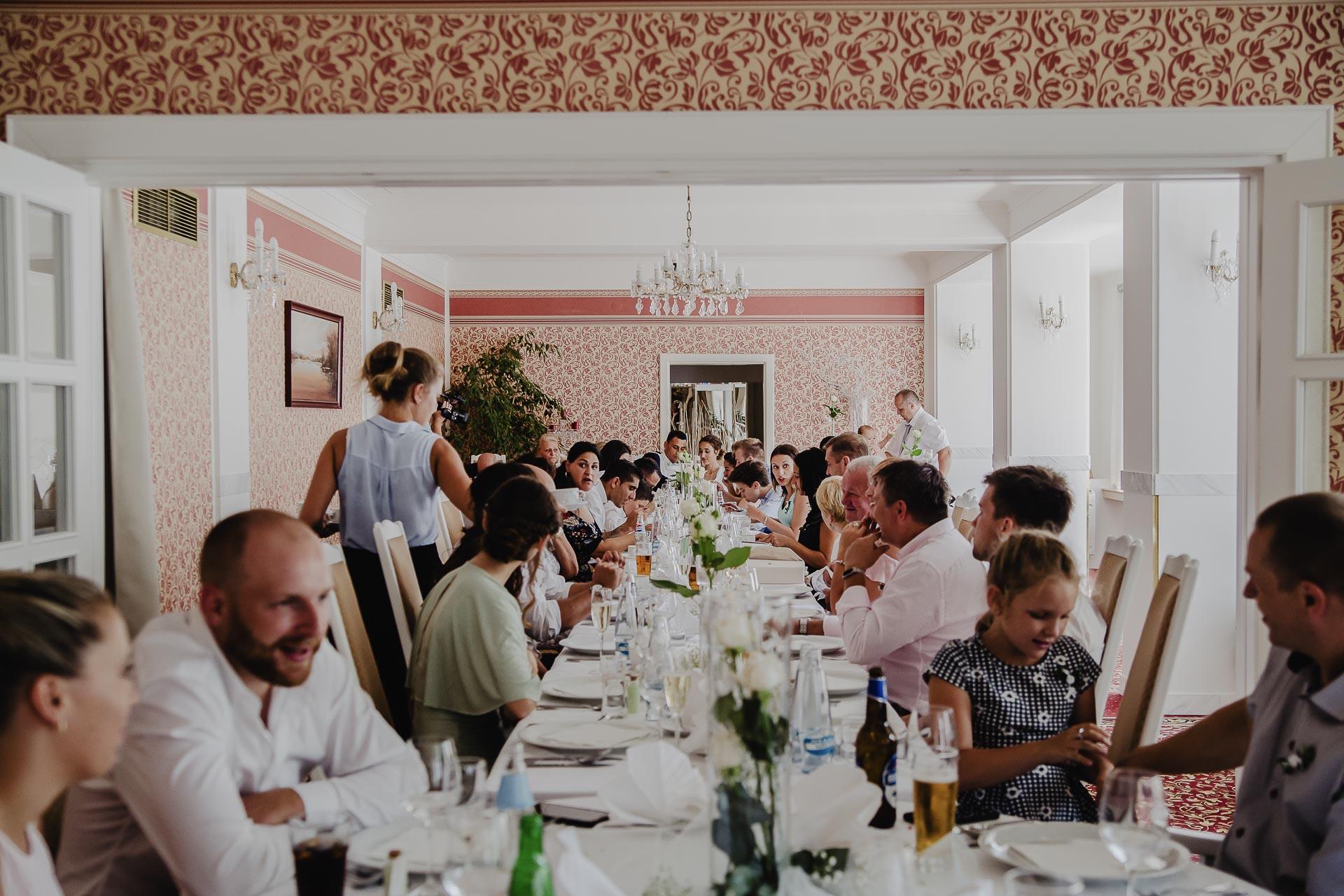 svatební fotograf hotel Ostrov Nymburk, svatební video-228