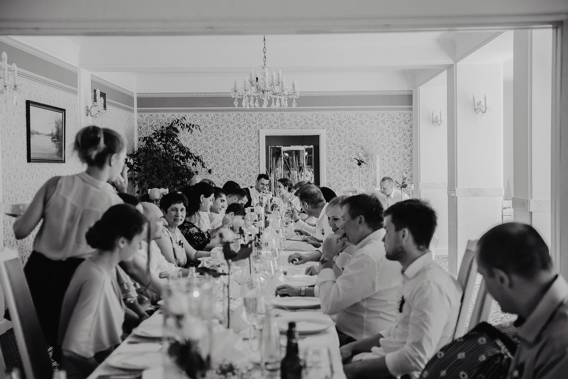 svatební fotograf hotel Ostrov Nymburk, svatební video-229