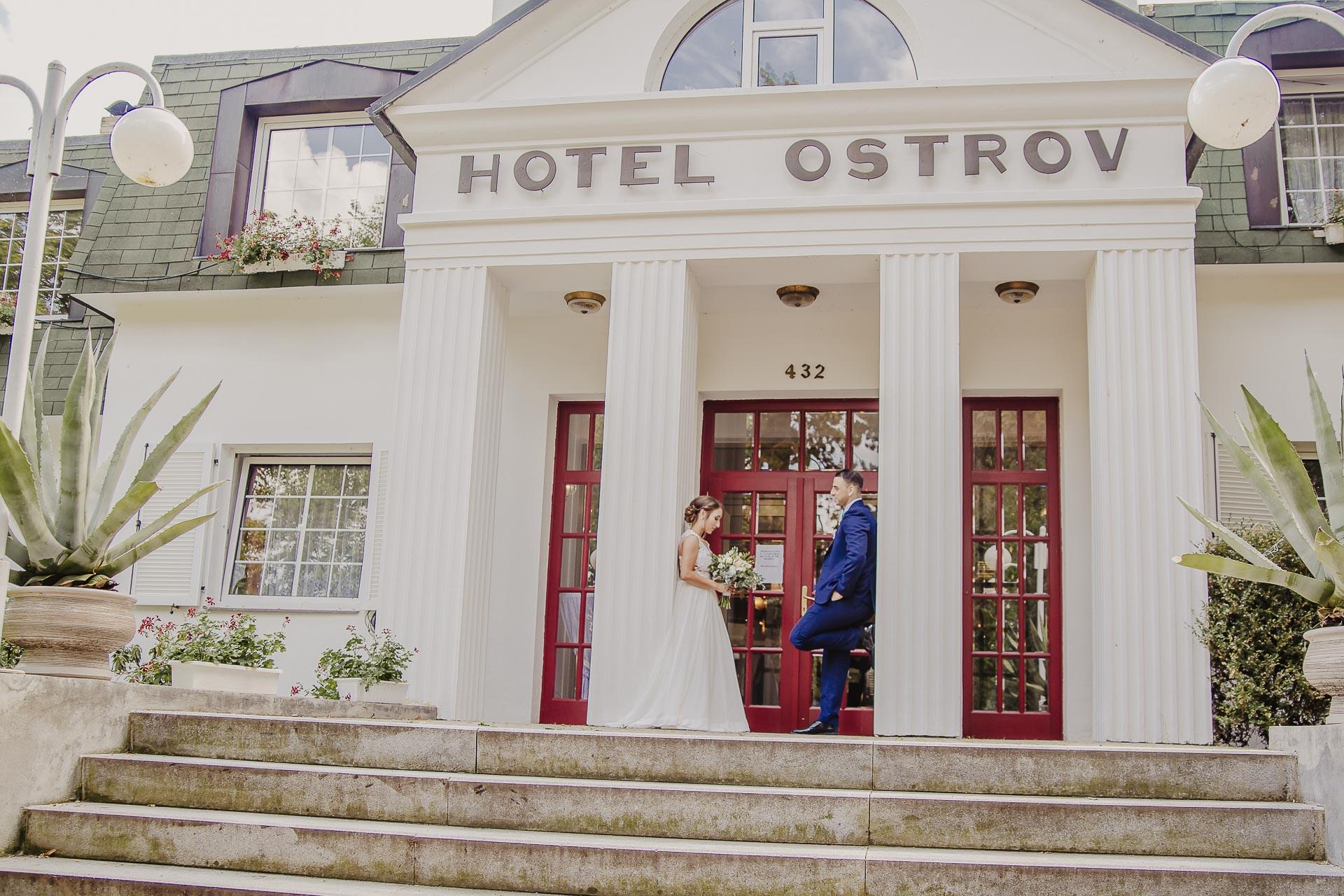 svatební fotograf hotel Ostrov Nymburk, svatební video-251