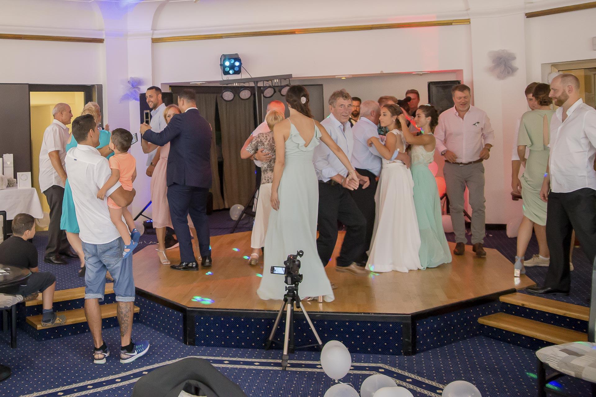 svatební fotograf hotel Ostrov Nymburk, svatební video-365