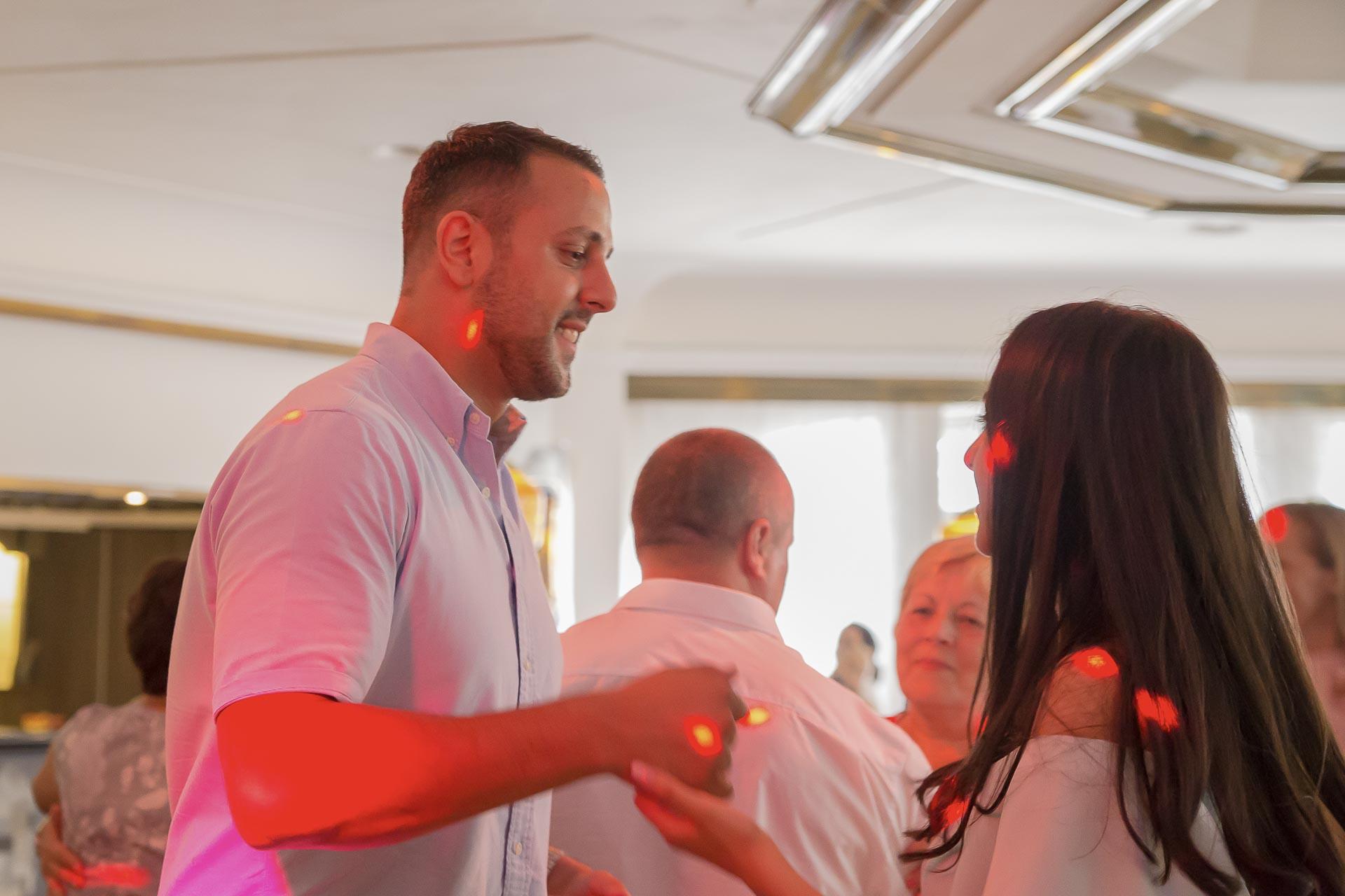 svatební fotograf hotel Ostrov Nymburk, svatební video-374