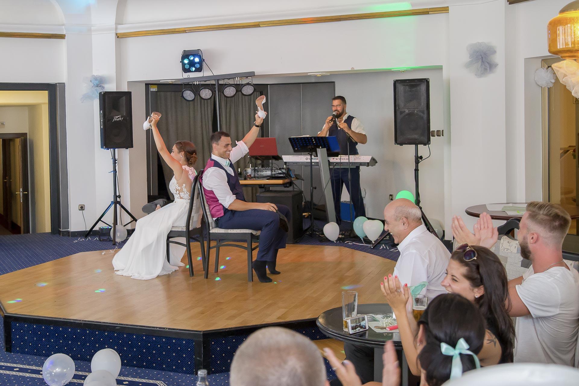 svatební fotograf hotel Ostrov Nymburk, svatební video-383