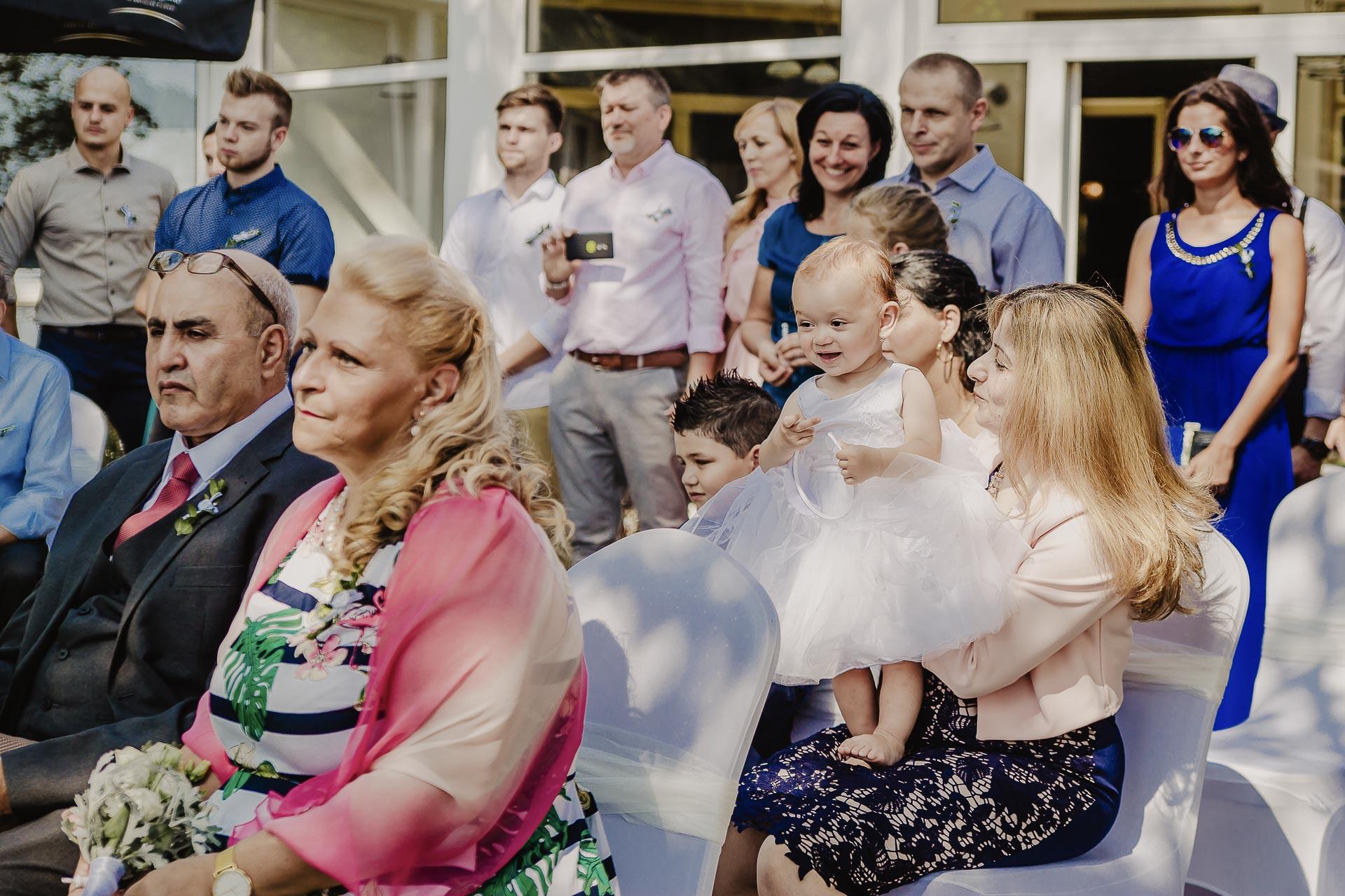 svatební fotograf hotel Ostrov Nymburk, svatební video-40
