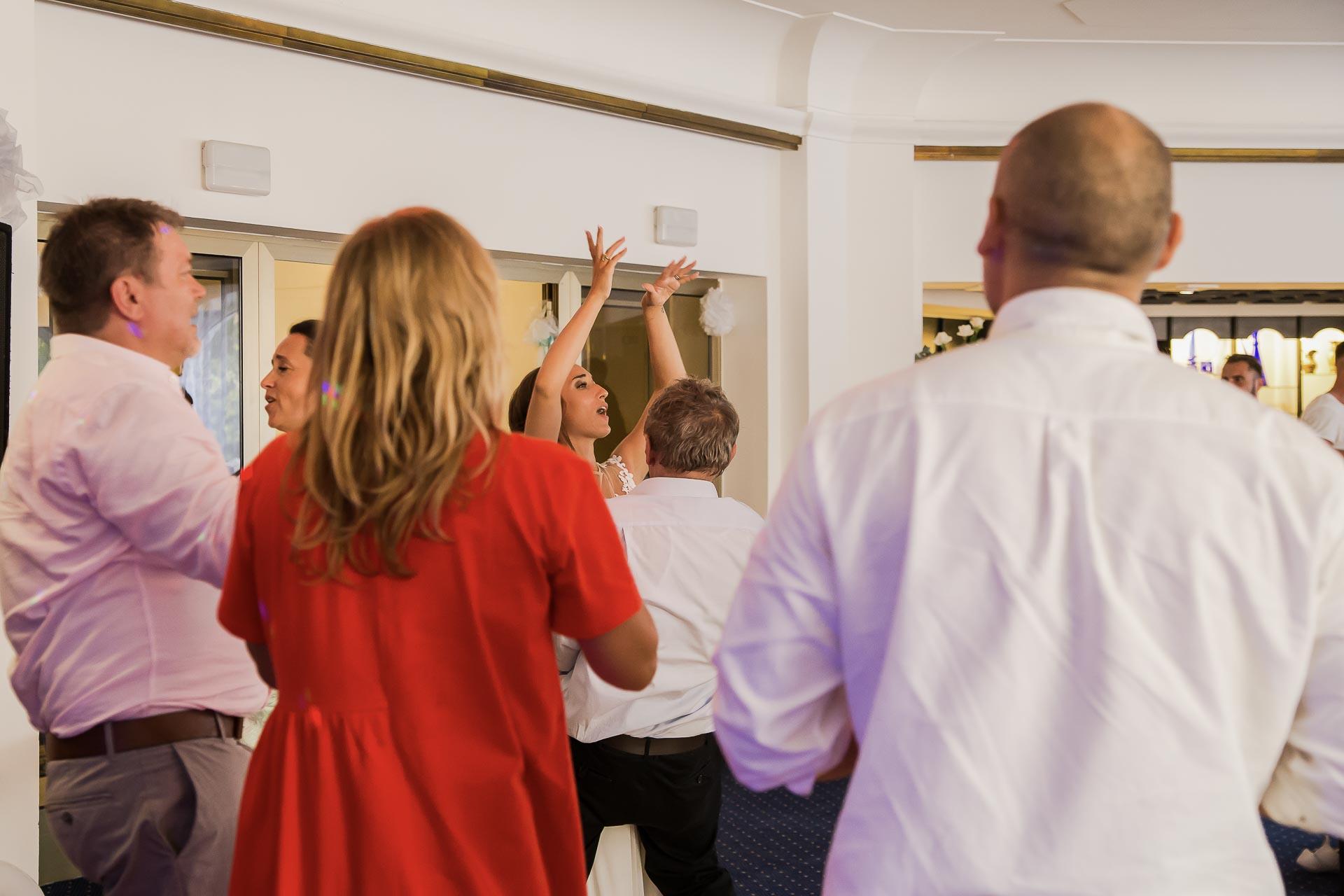 svatební fotograf hotel Ostrov Nymburk, svatební video-412