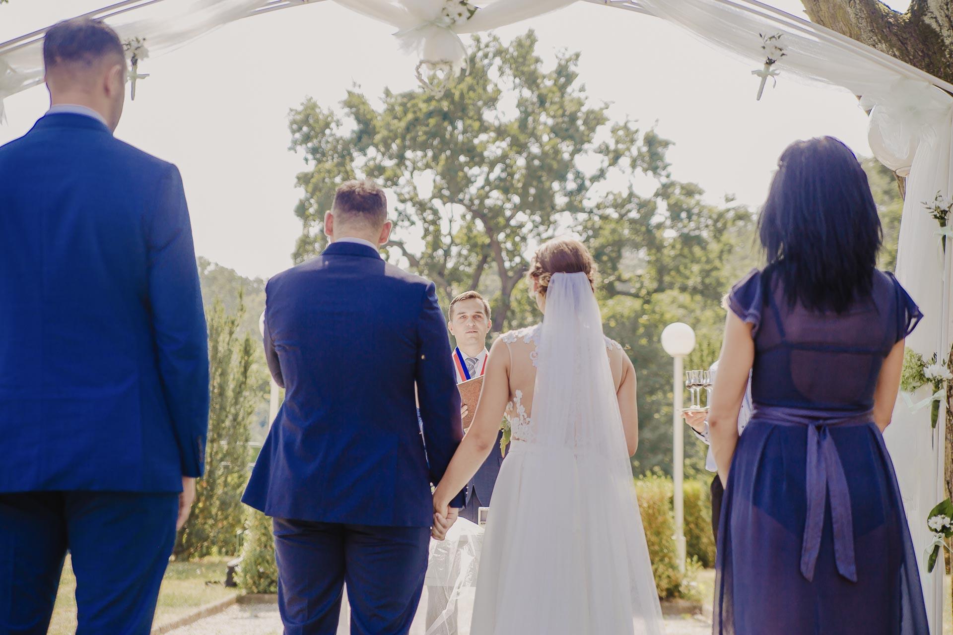 svatební fotograf hotel Ostrov Nymburk, svatební video-42