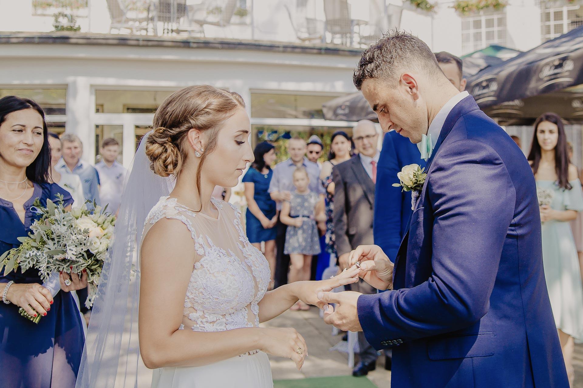 svatební fotograf hotel Ostrov Nymburk, svatební video-45