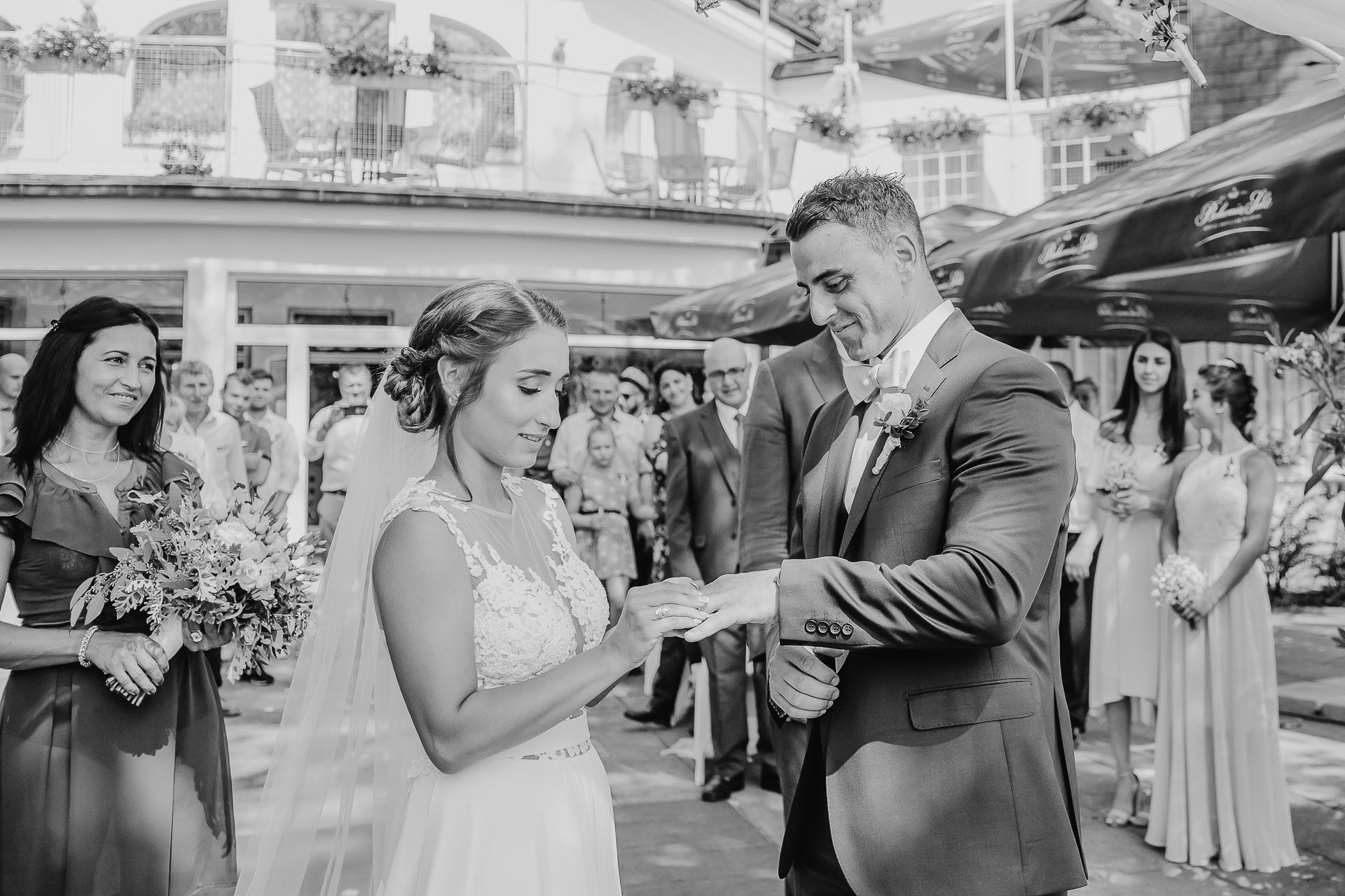 svatební fotograf hotel Ostrov Nymburk, svatební video-50